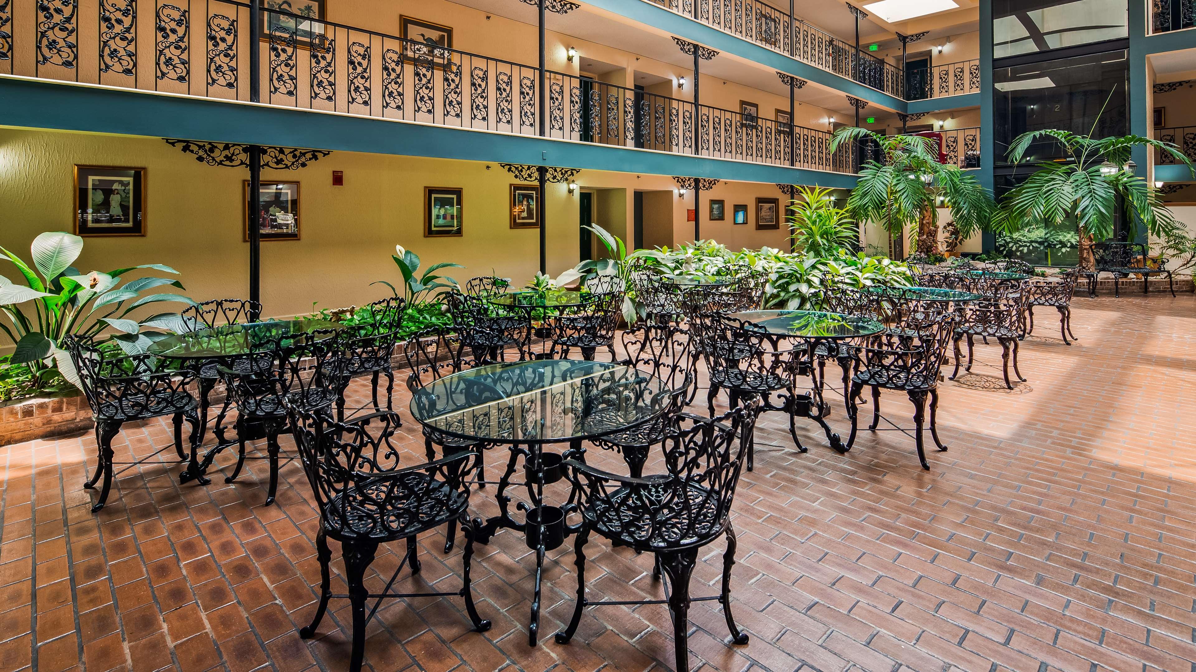 SureStay Plus Hotel by Best Western Baton Rouge image 6
