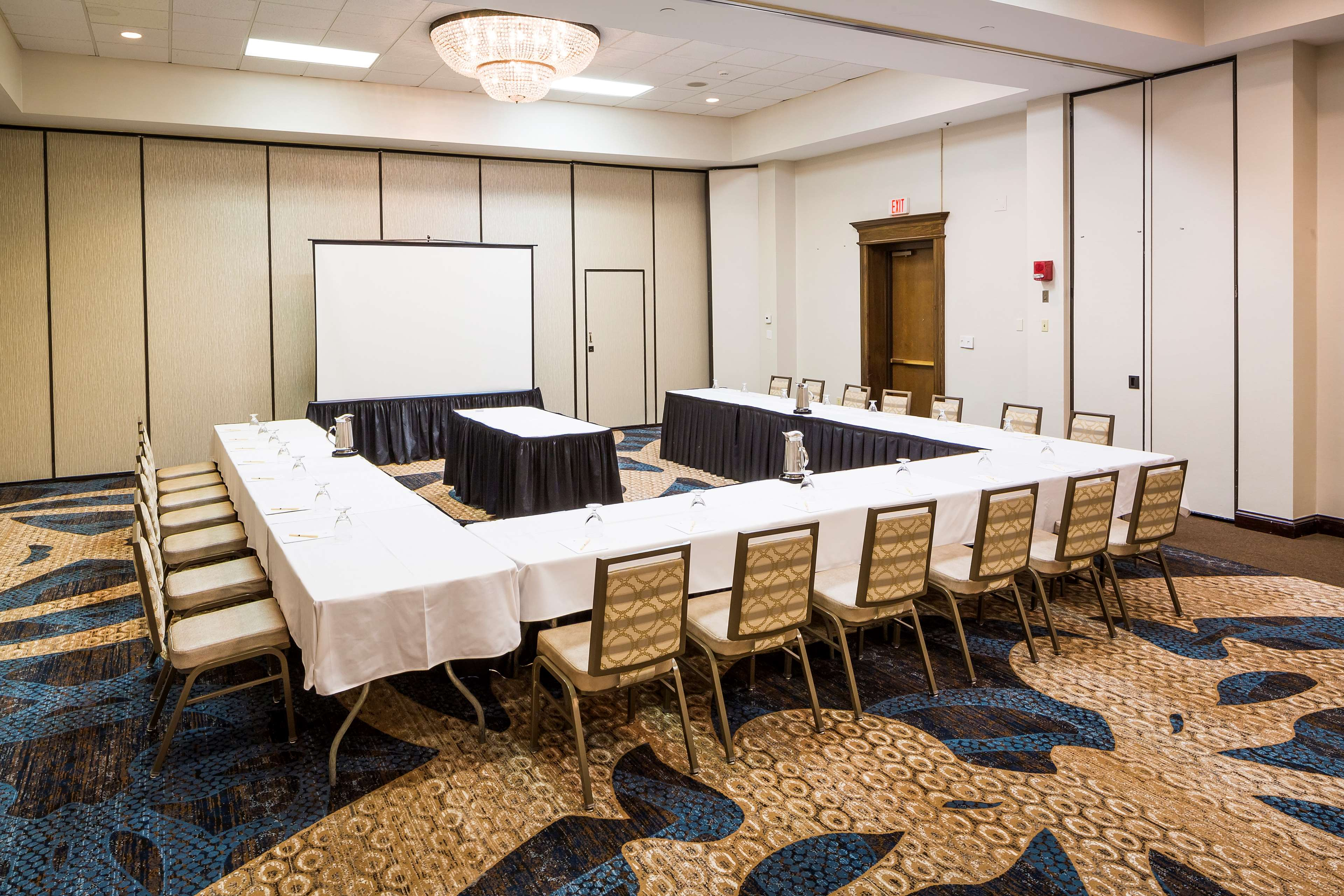 DoubleTree by Hilton Hotel Boston - Milford image 32