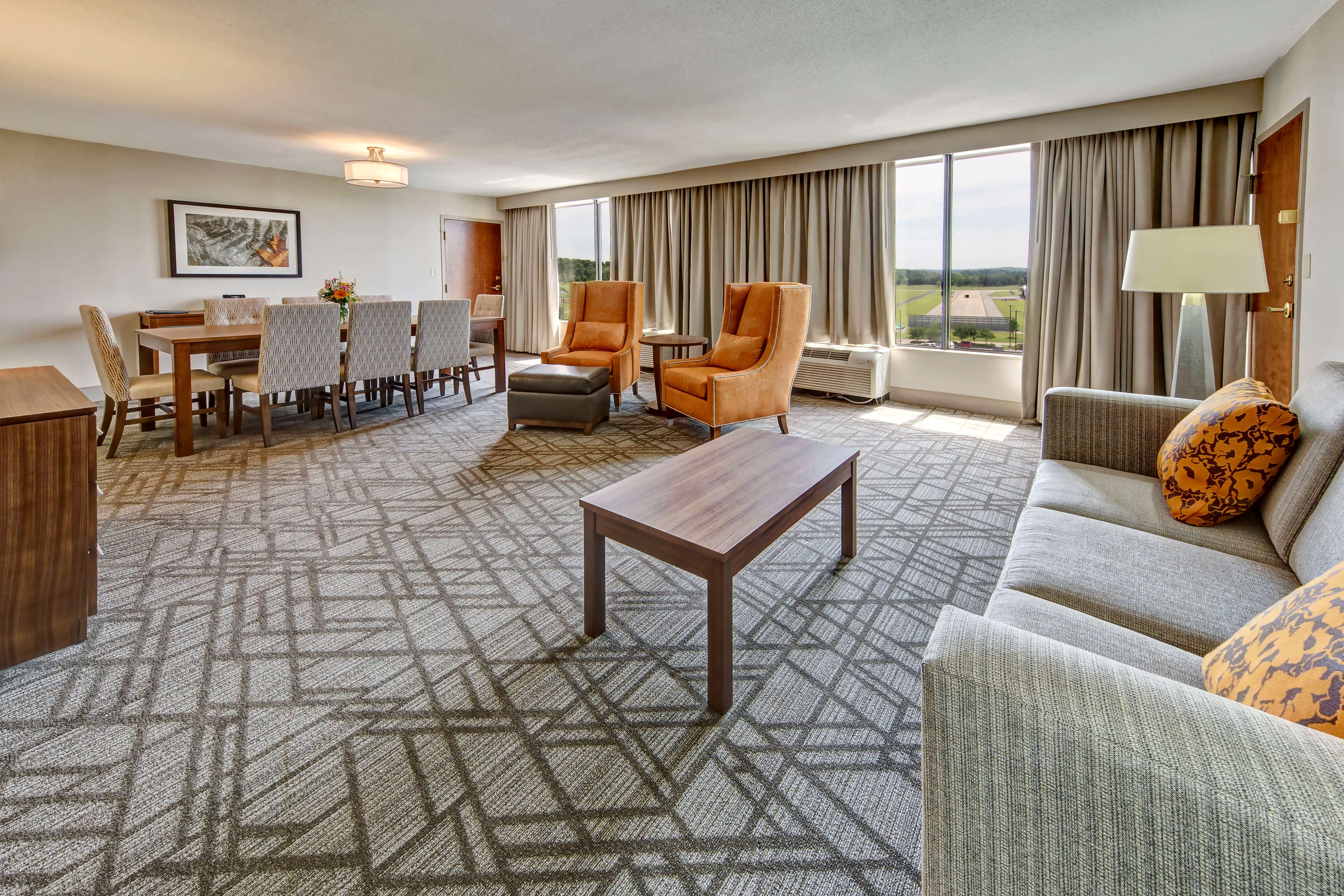Hilton Knoxville Airport image 17