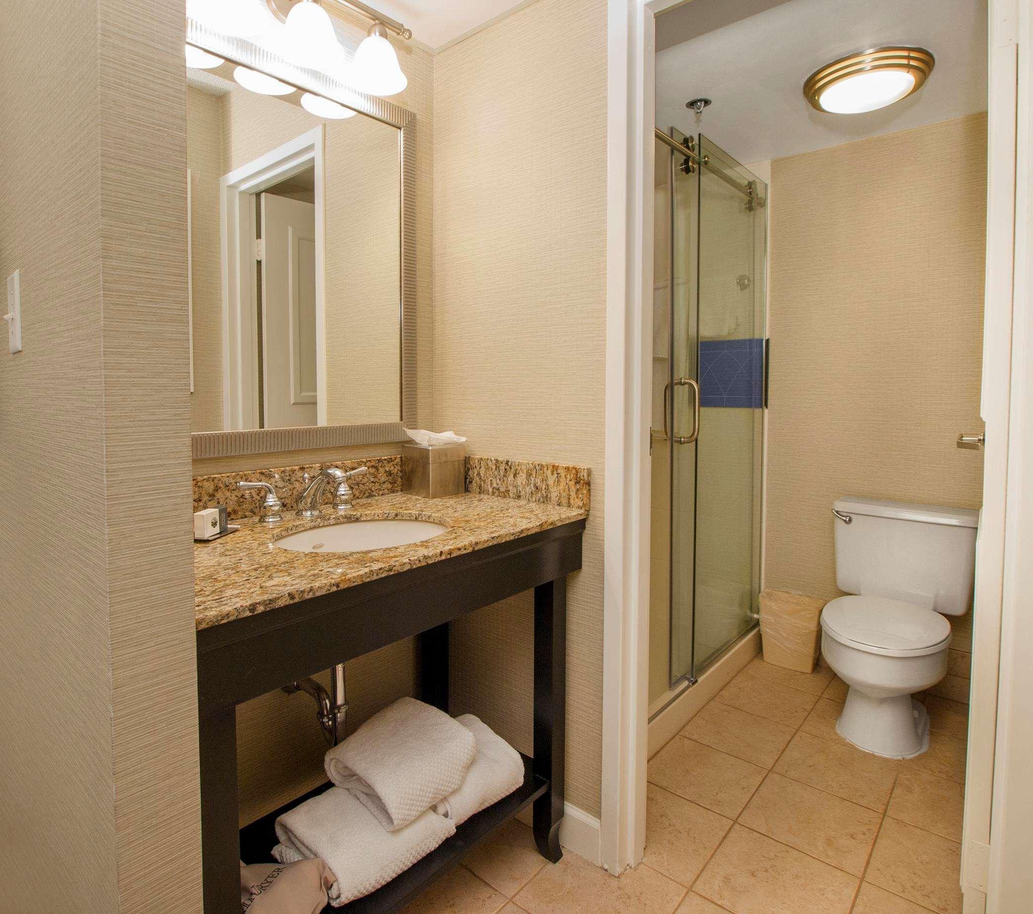DoubleTree by Hilton Hotel Buffalo - Amherst image 20