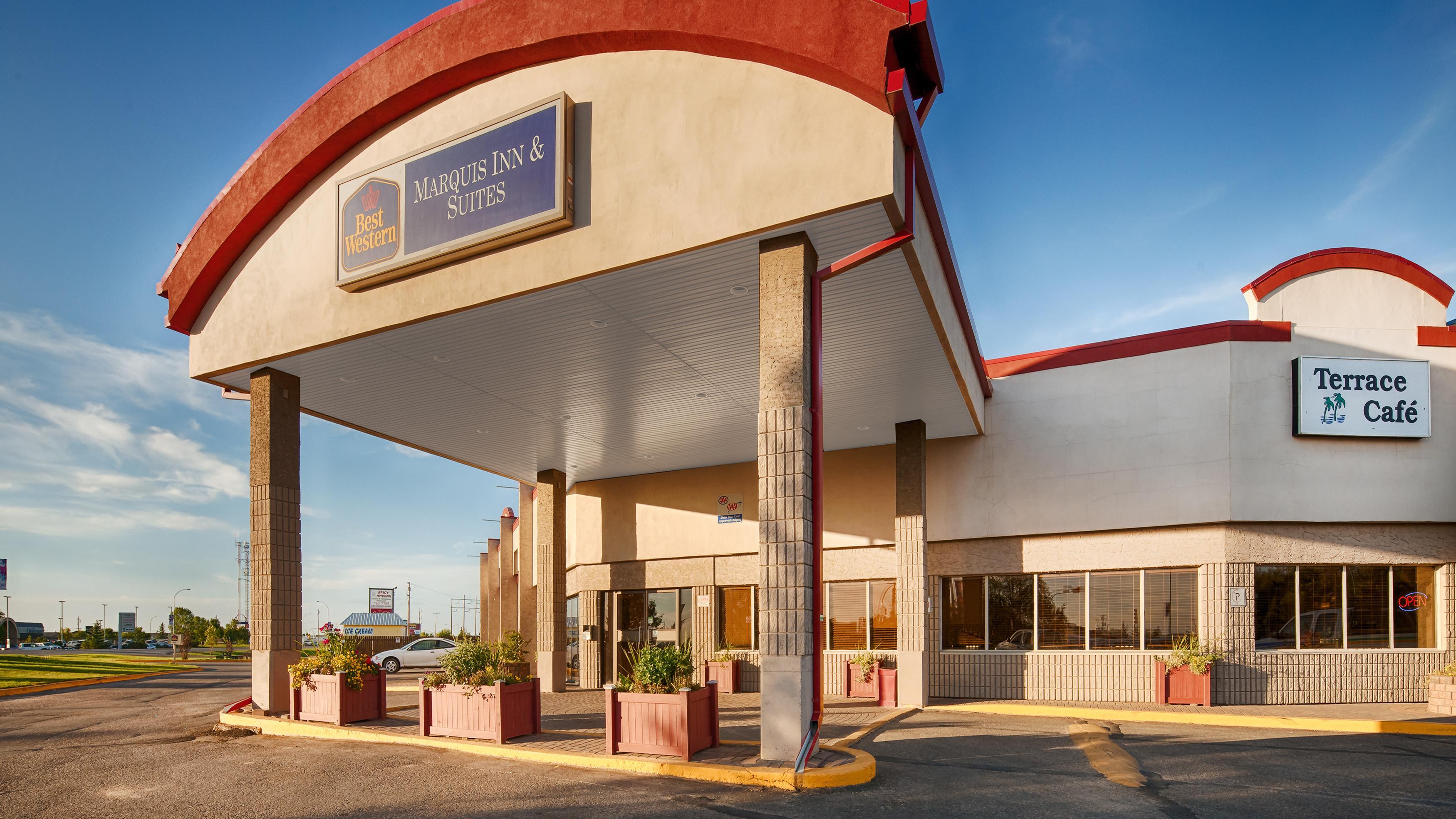 Best Western Marquis Inn & Suites in Prince Albert: Hotel Exterior