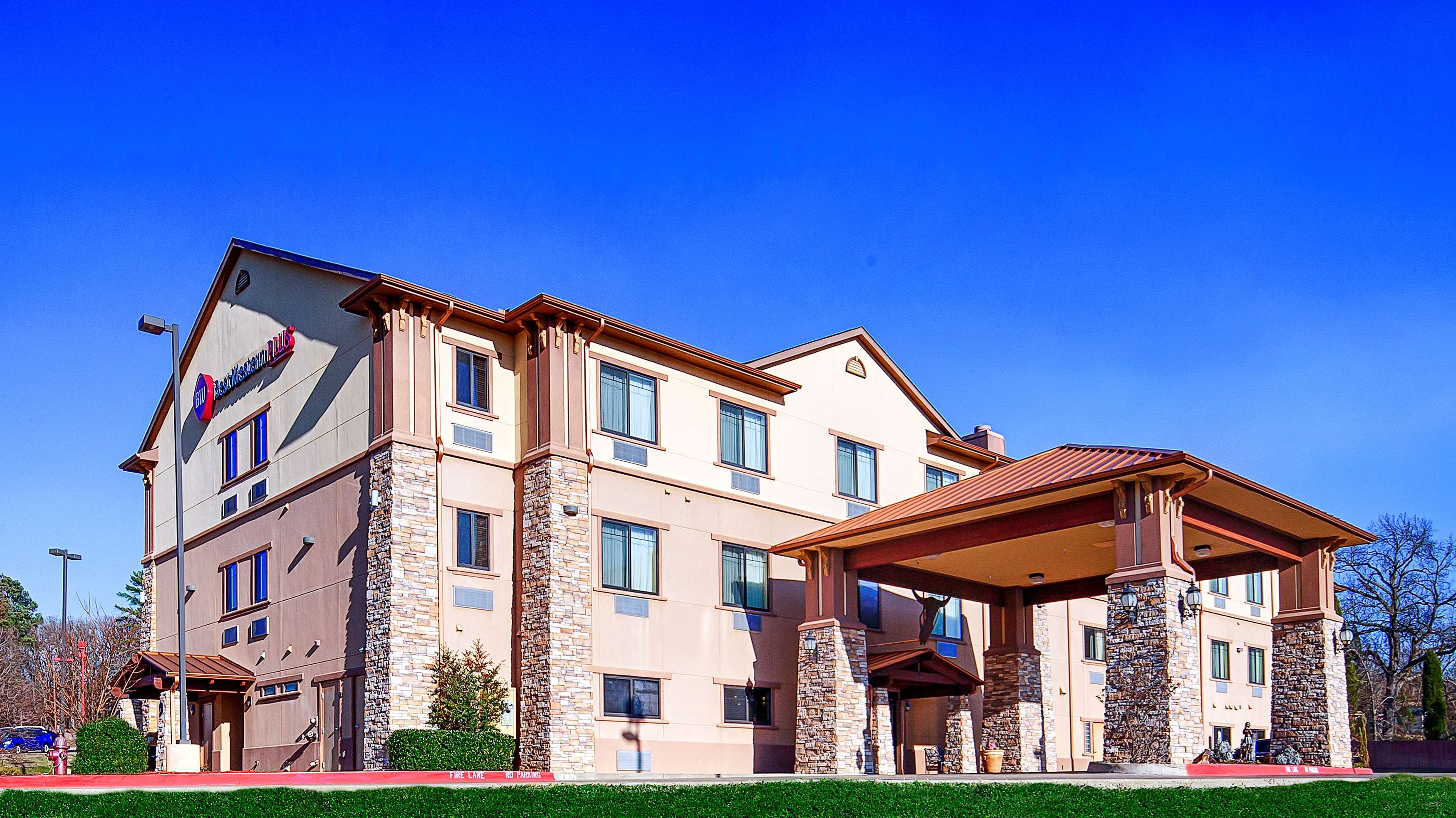 Best Western Plus Royal Mountain Inn & Suites image 1