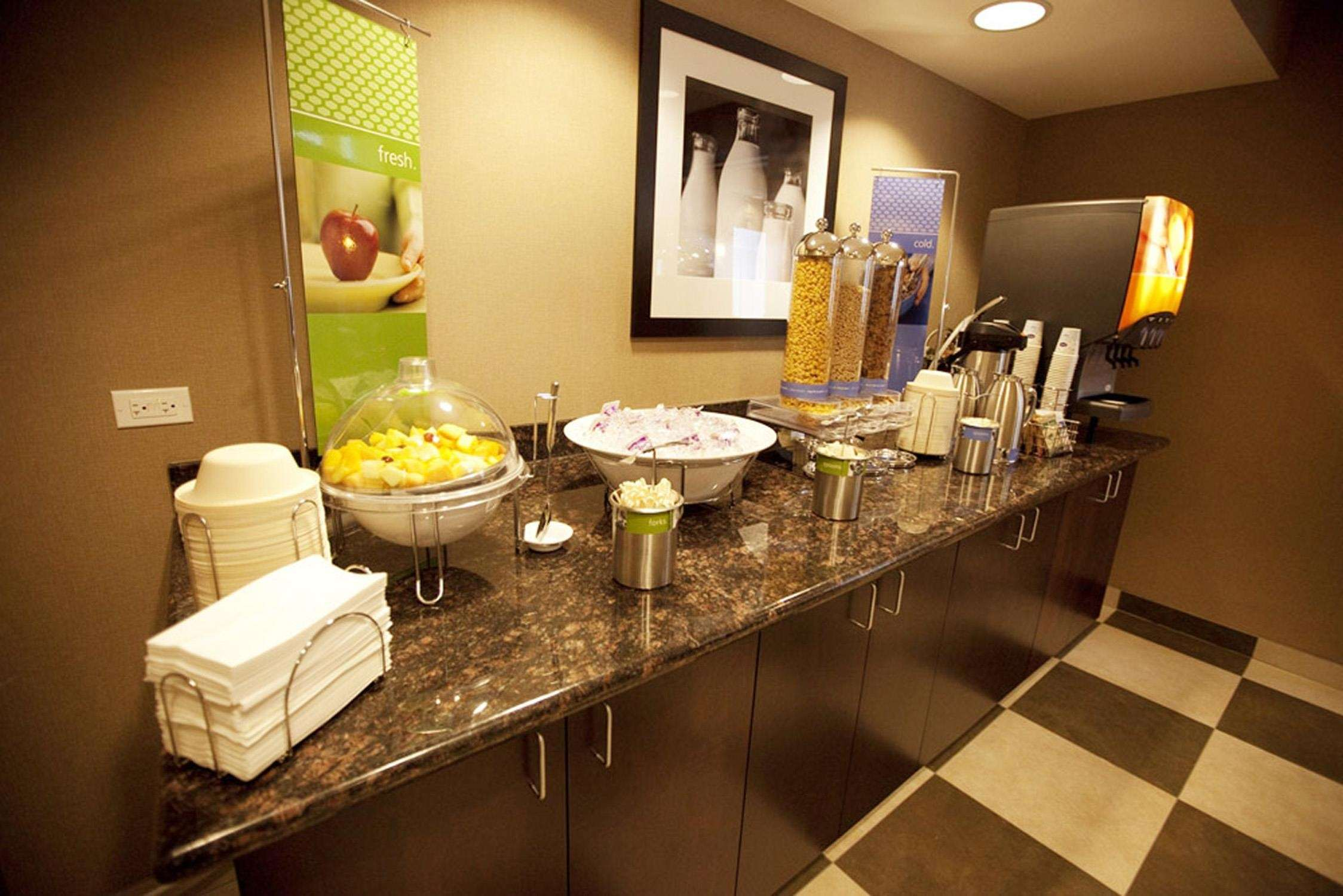Hampton Inn & Suites Seattle/Kent,WA image 19
