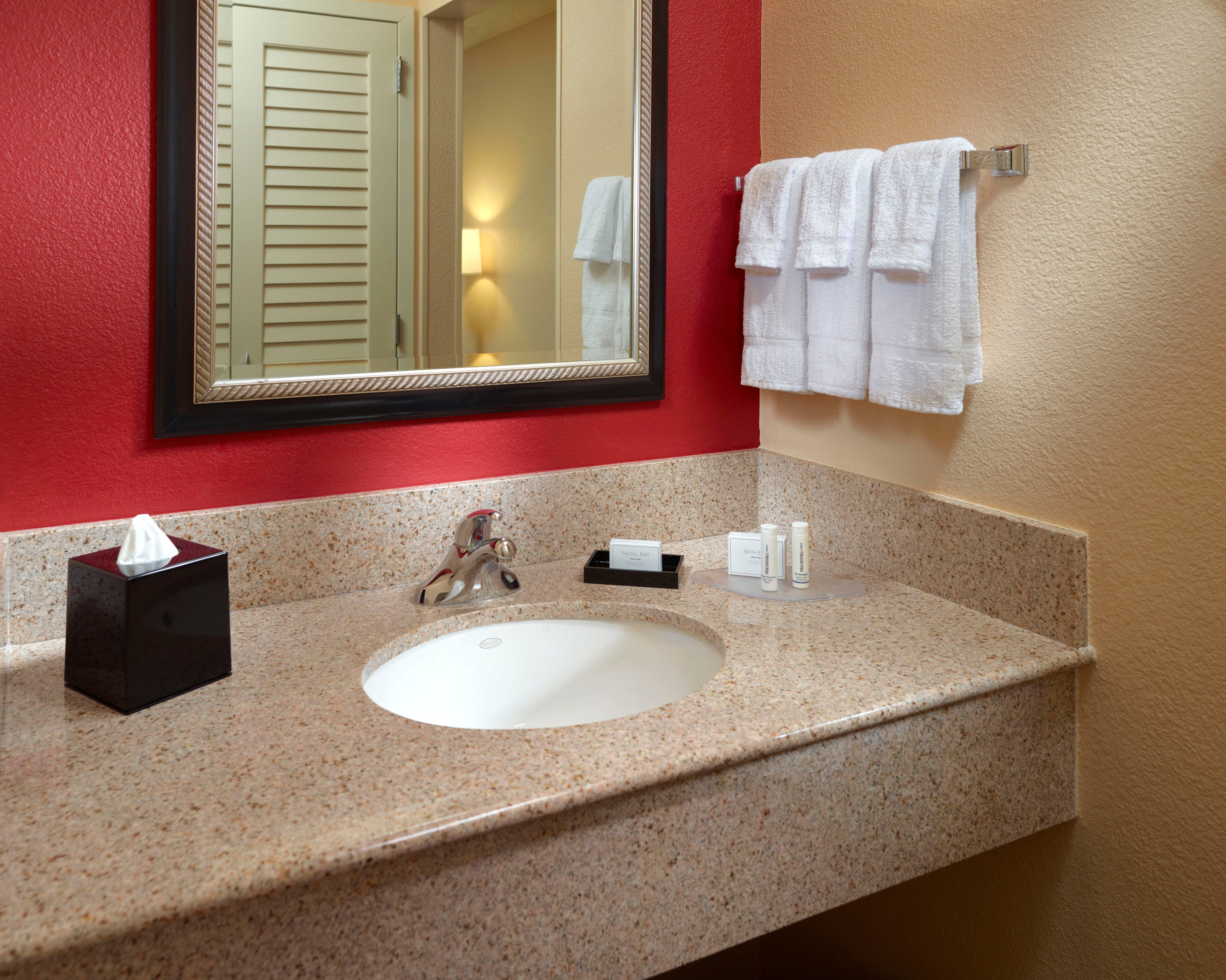 Courtyard by Marriott Columbus image 12