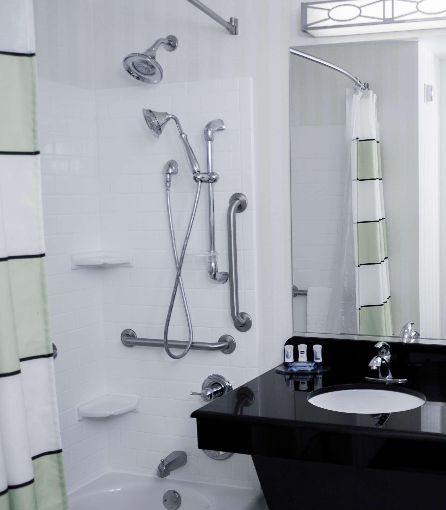 Fairfield Inn & Suites by Marriott Carlsbad image 12