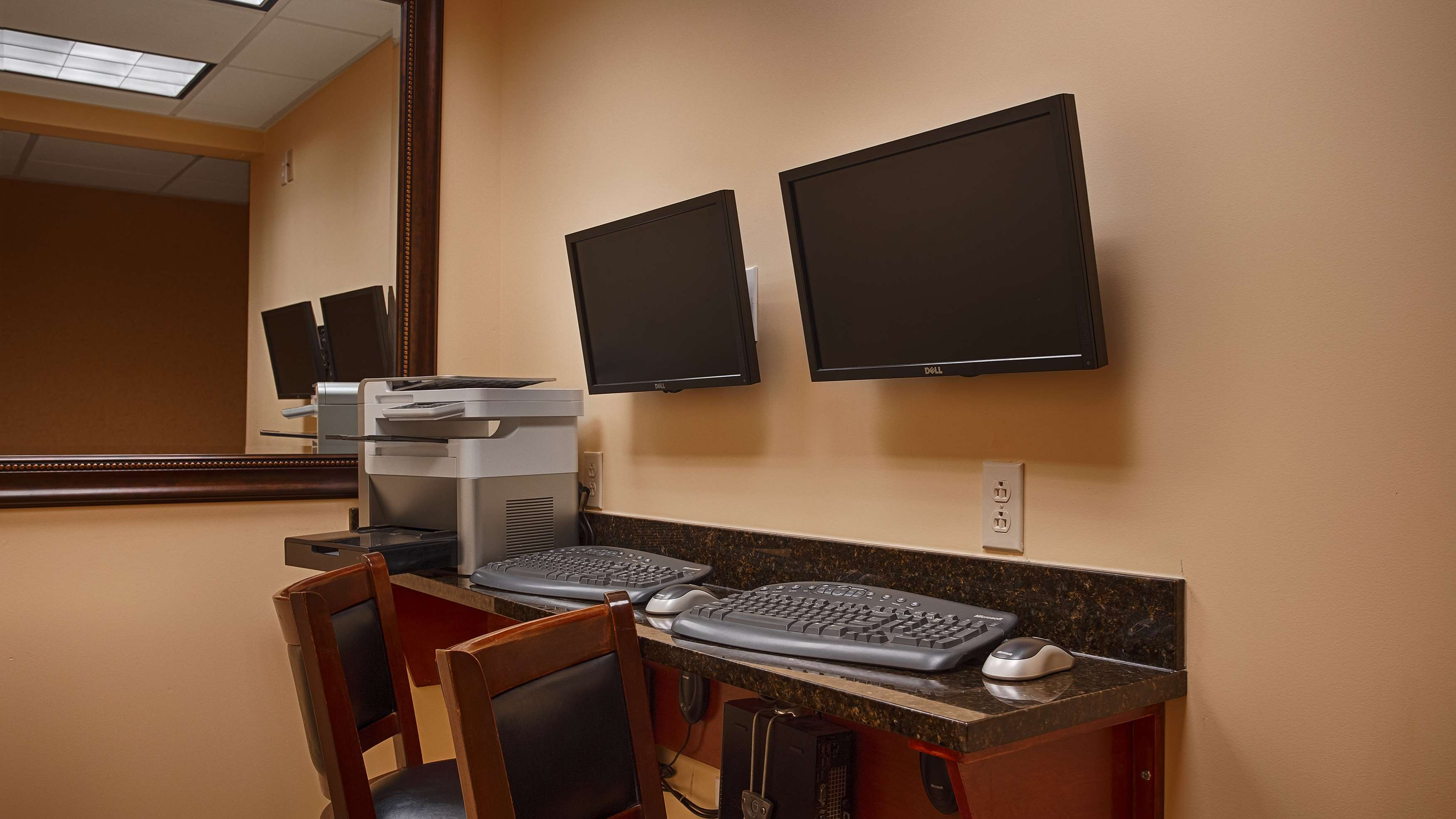 Best Western Plus Vineyard Inn & Suites image 5