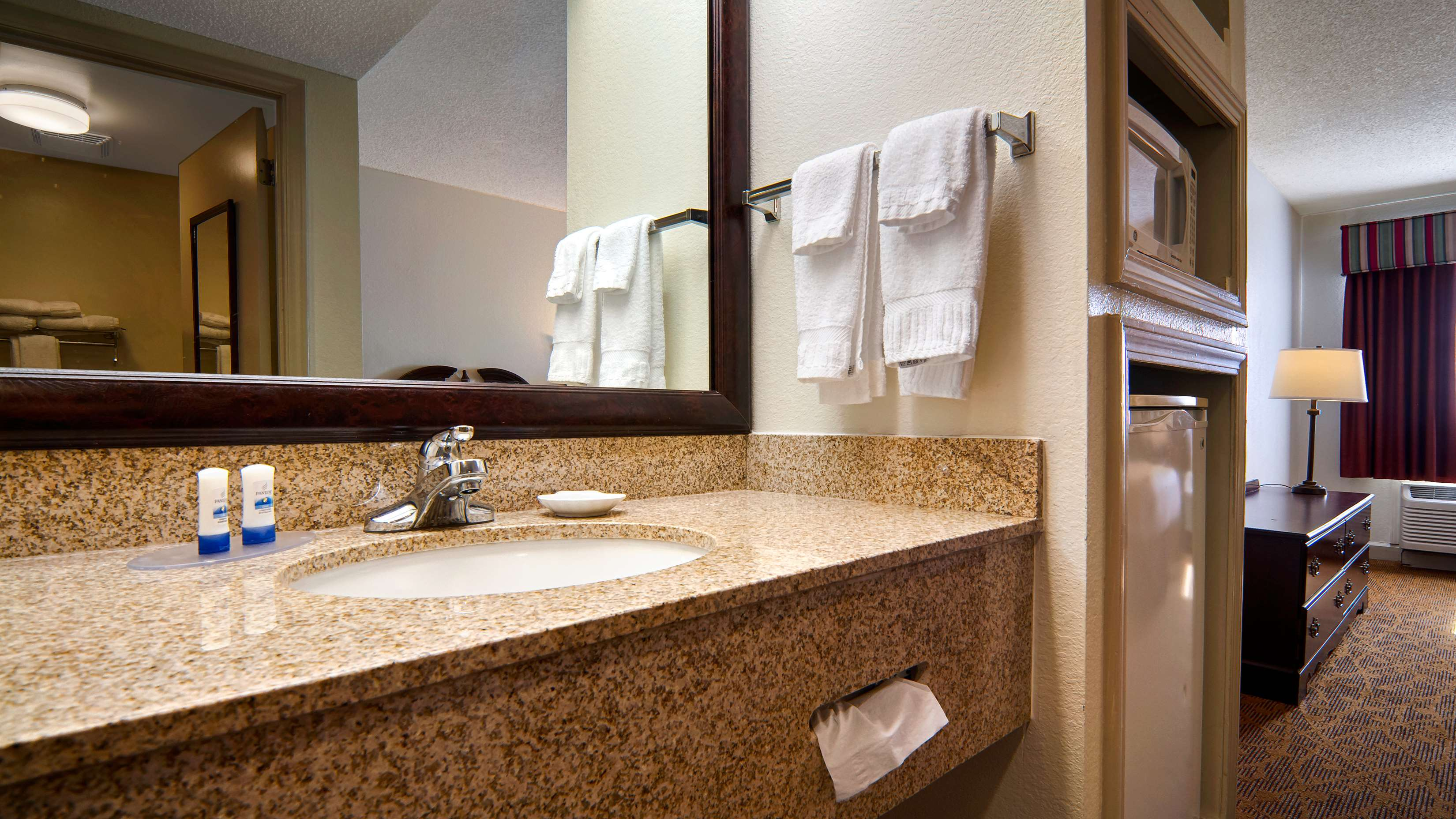 Best Western Plus Cypress Creek image 6