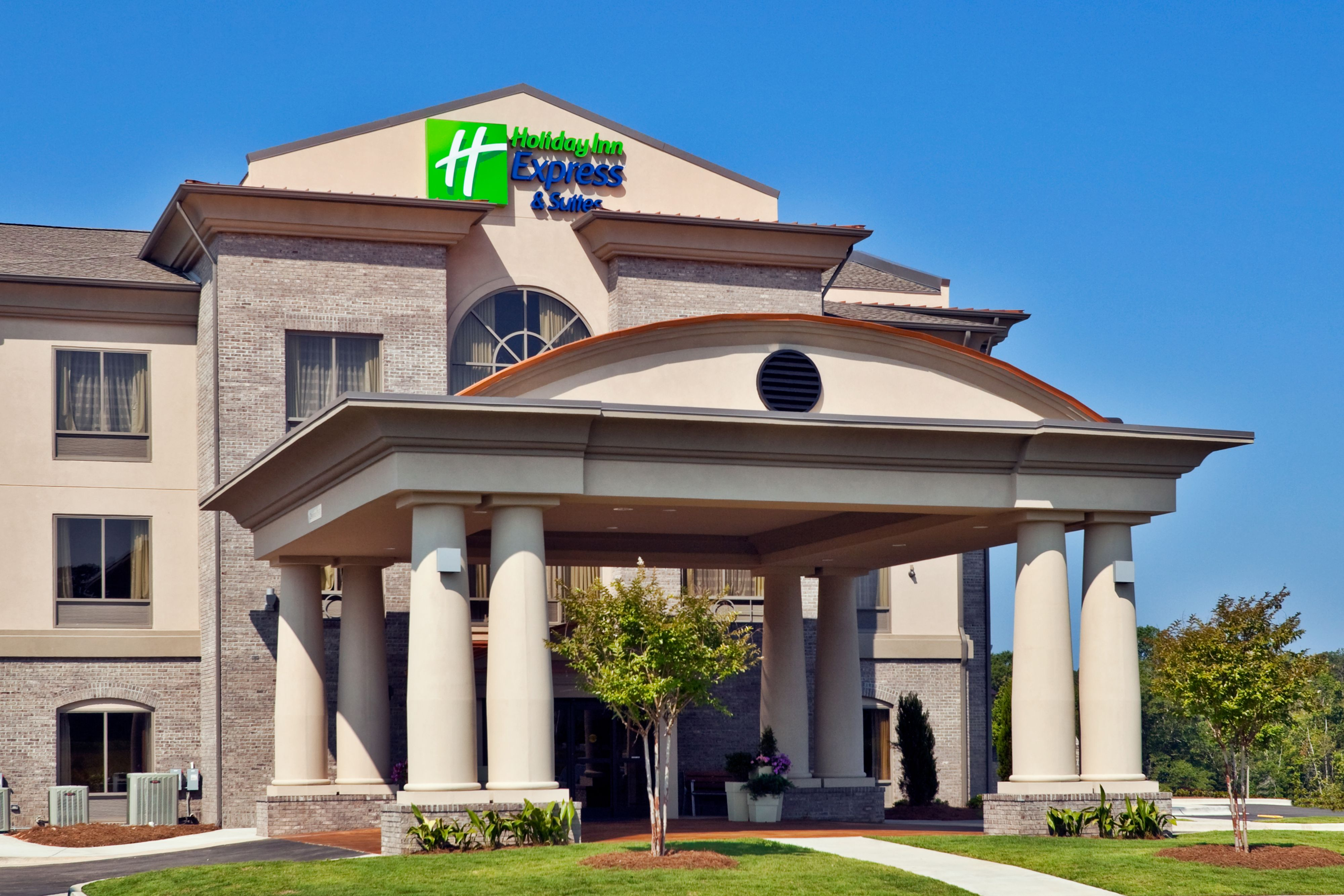Holiday Inn Express & Suites Ontario Airport-Mills Mall image 5