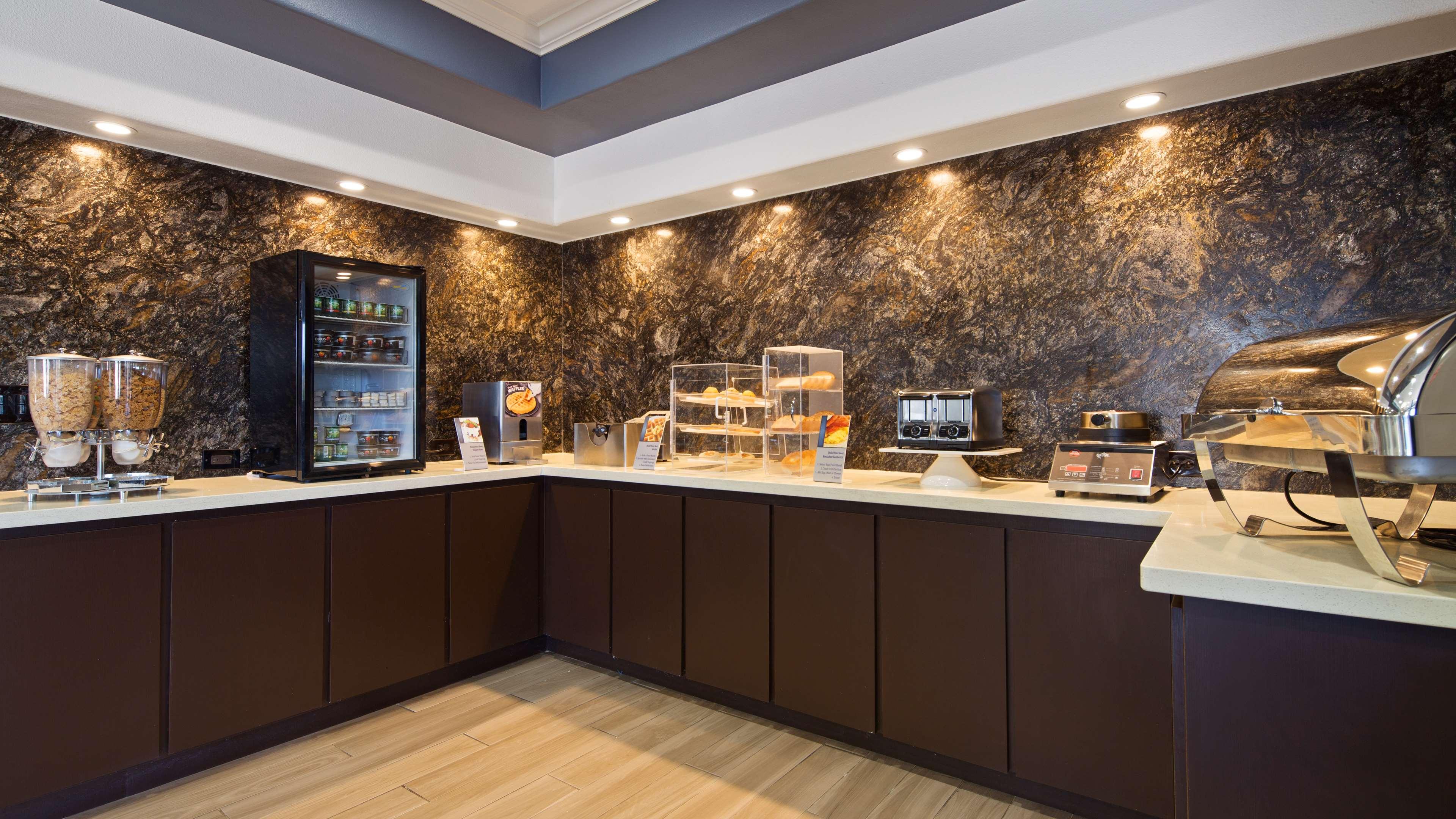 Best Western Plus North Houston Inn & Suites image 5