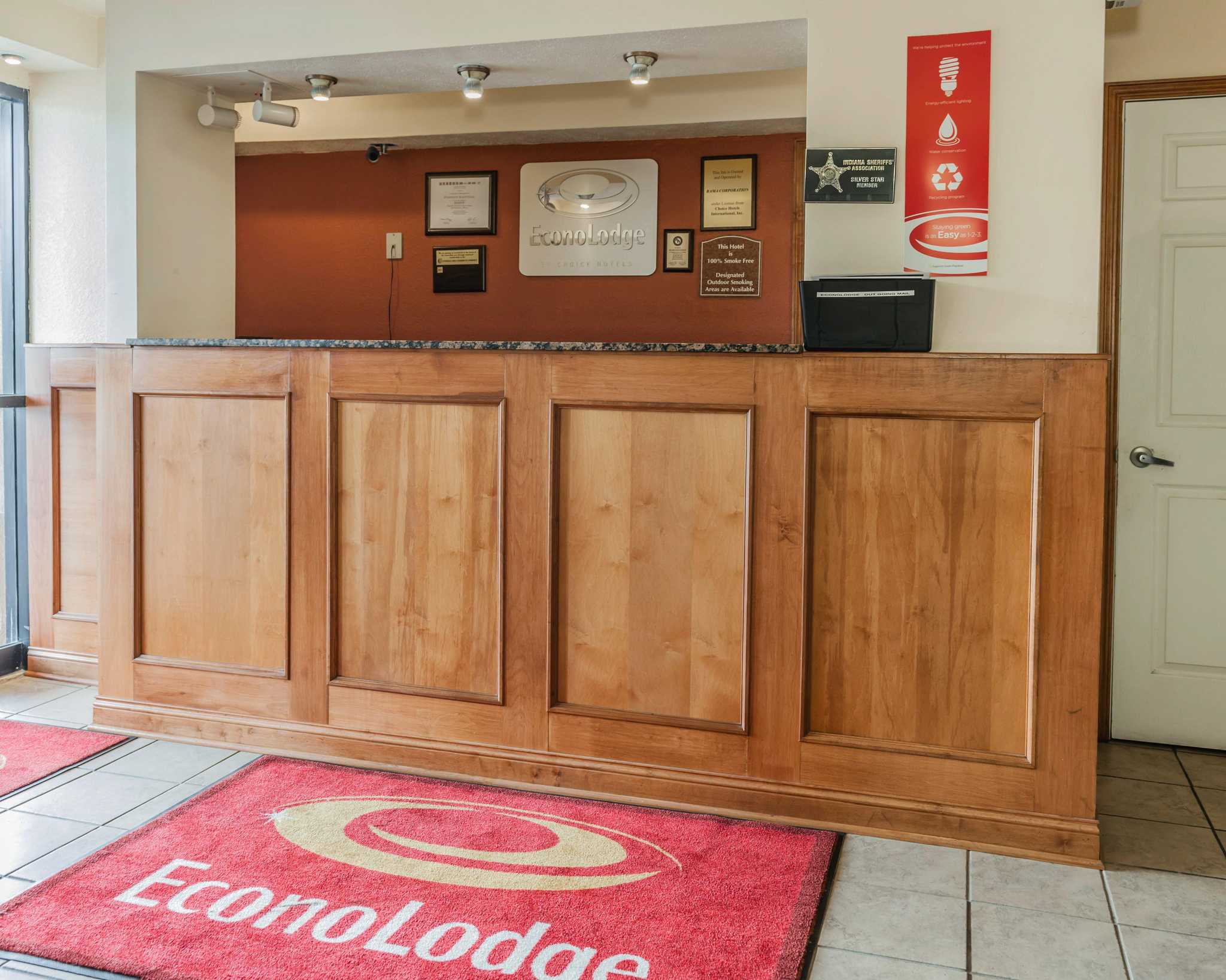 Econo Lodge image 16