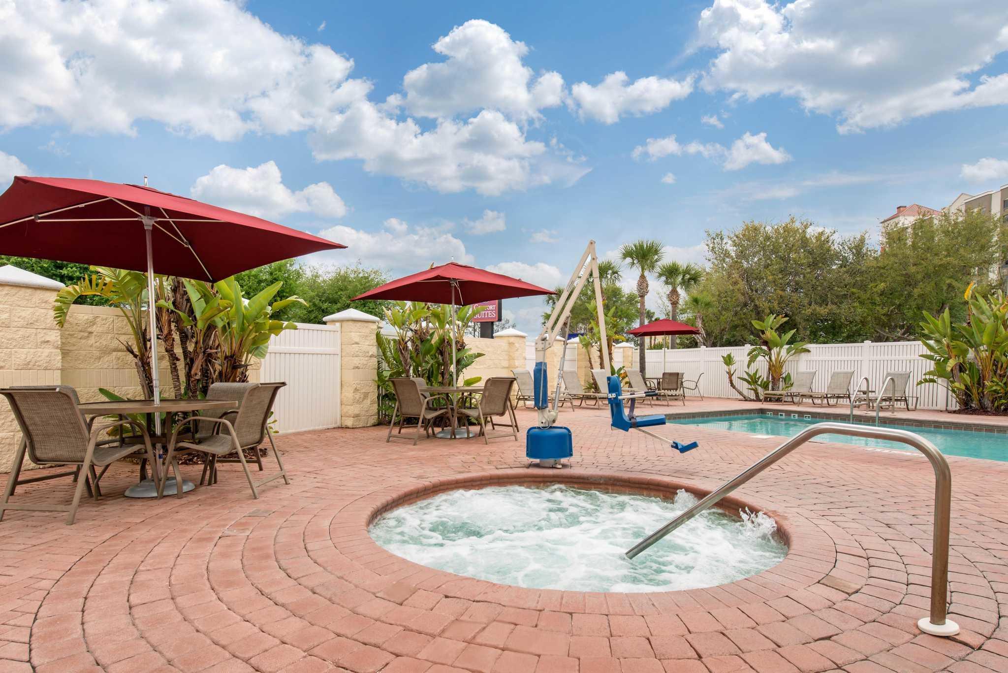 Comfort Suites Near Universal Orlando Resort image 25