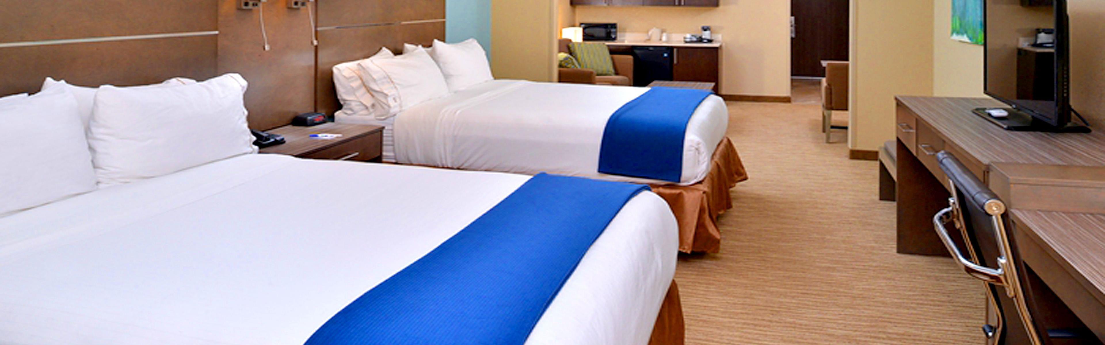 Holiday Inn Express & Suites Schulenburg image 1