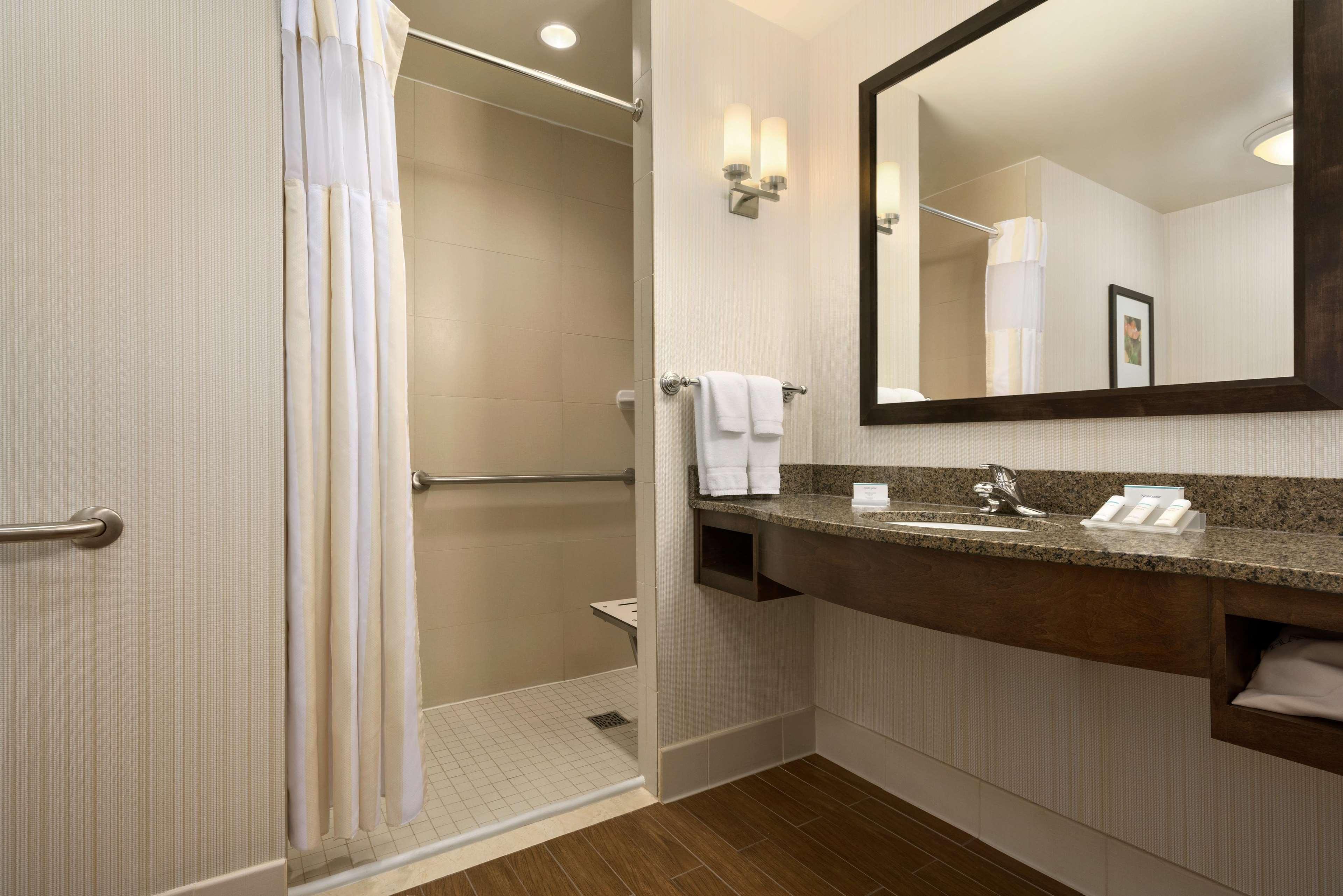 Hilton Garden Inn Stony Brook 1 Circle Road Stony Brook, NY Hotels ...