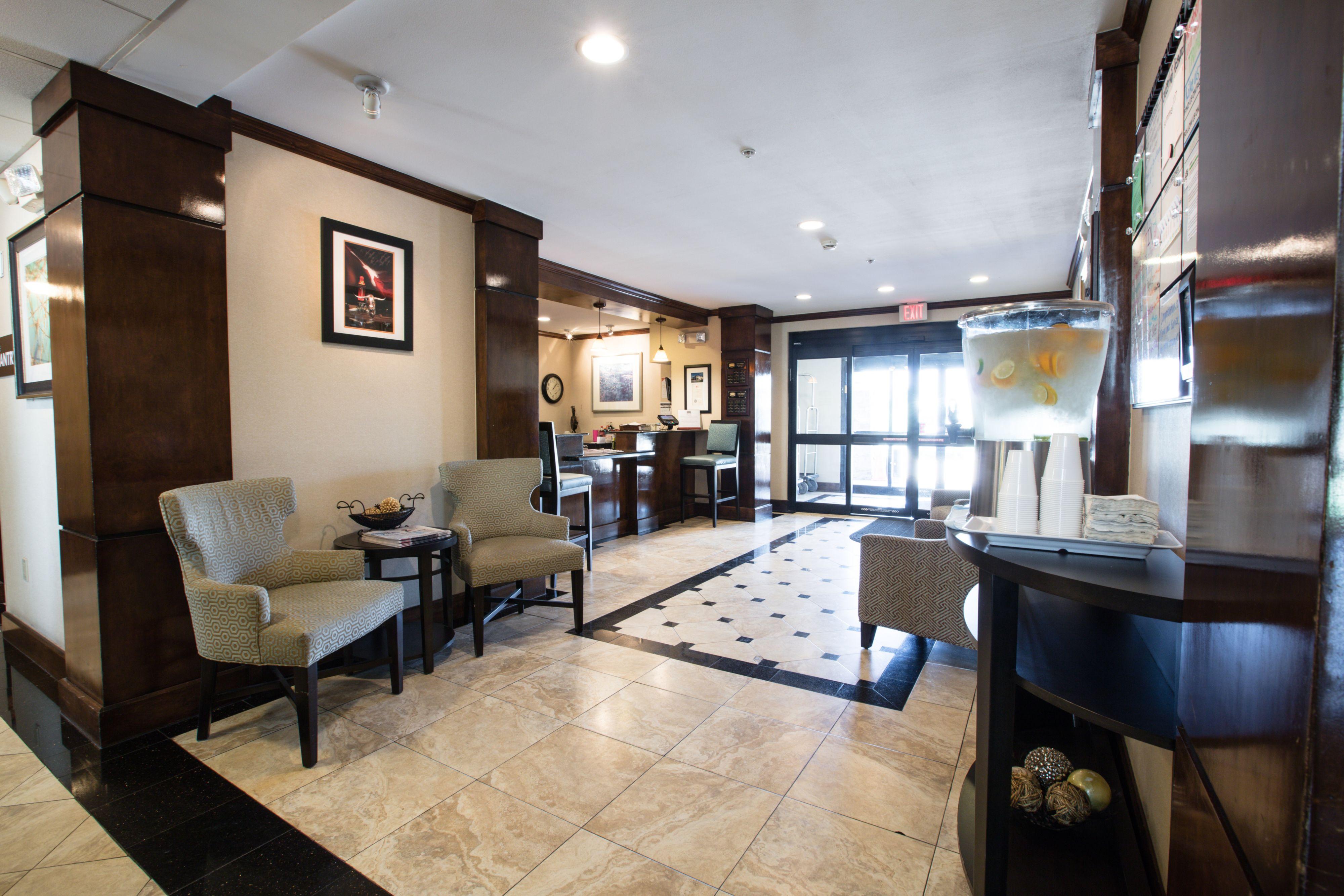 staybridge suites austin airport at 1611 airport commerce. Black Bedroom Furniture Sets. Home Design Ideas