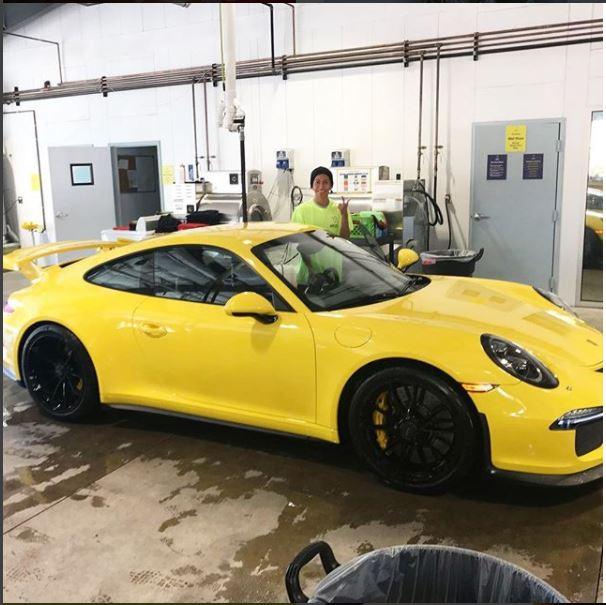 Racer's Edge Hand Carwash image 3