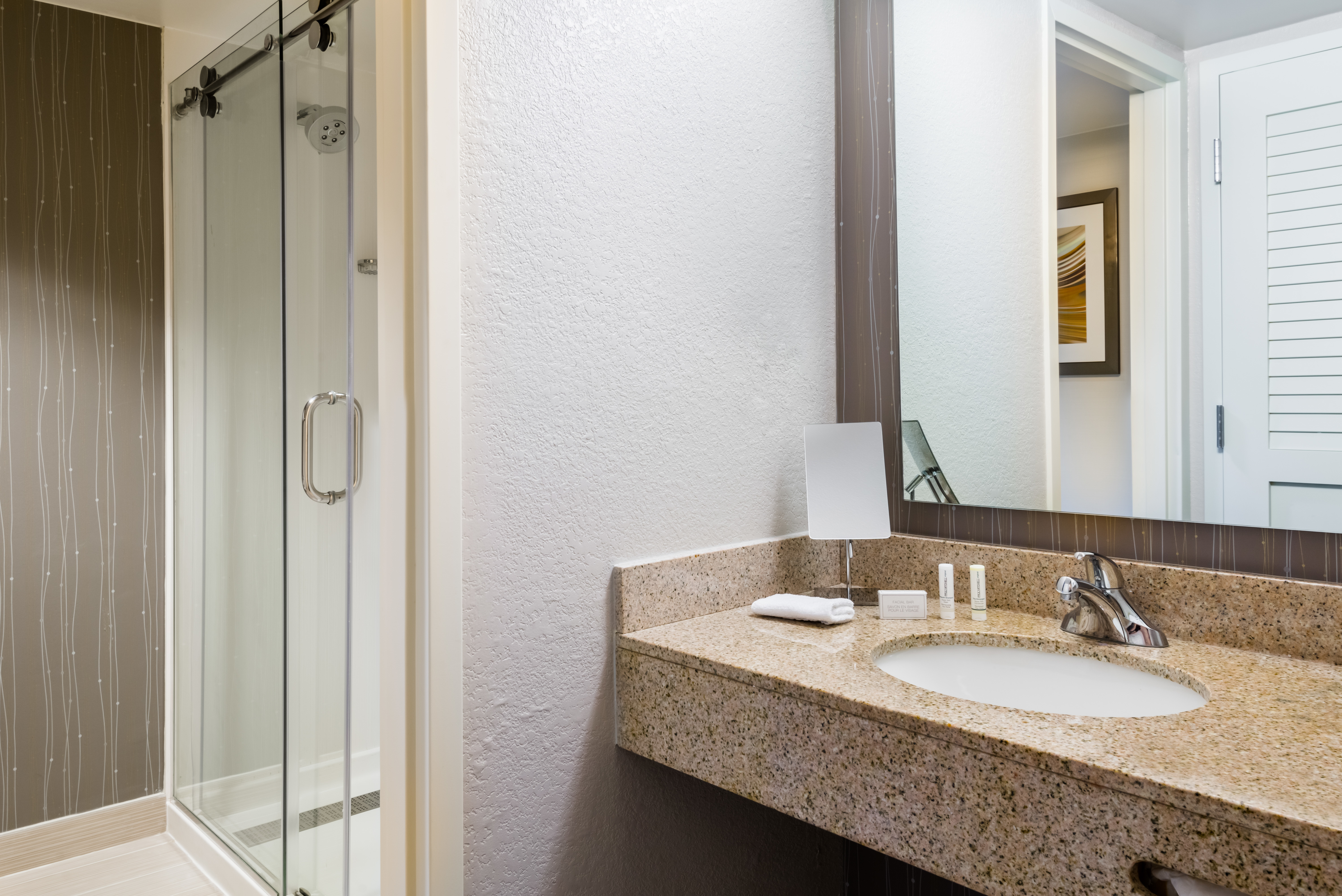 Courtyard by Marriott Mobile image 13