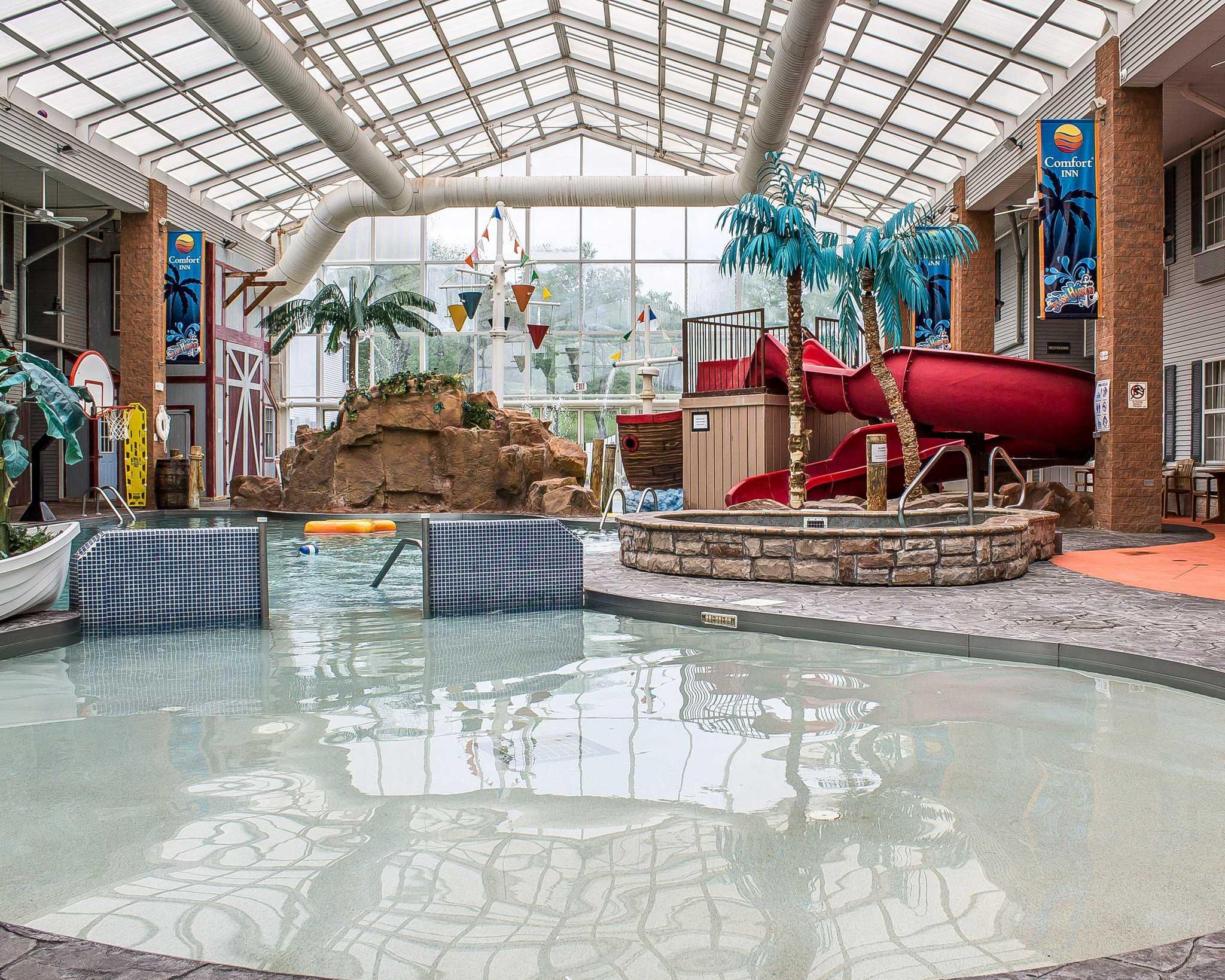 Comfort Inn Splash Harbor image 18