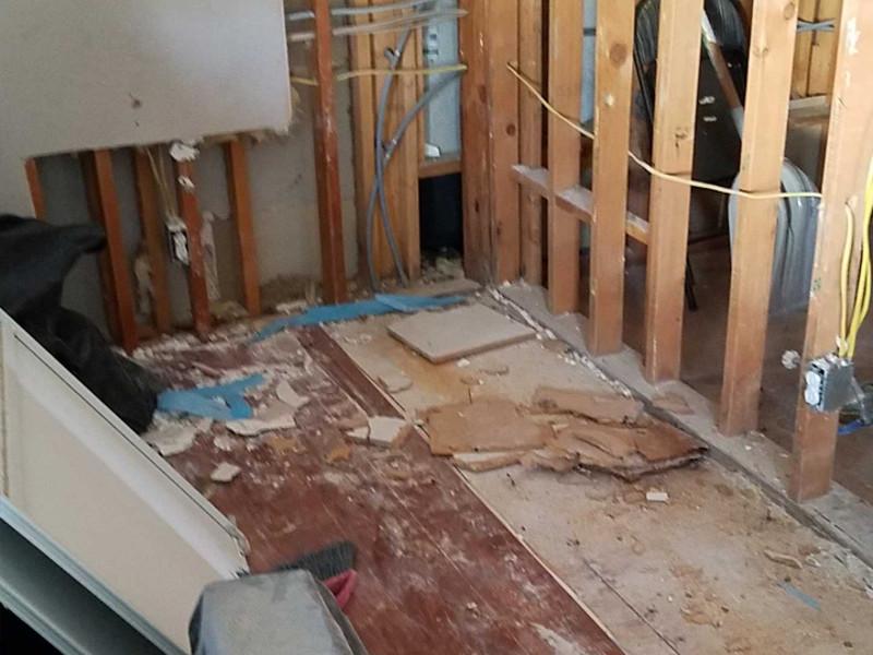 B & Z Water Damage Restoration image 12
