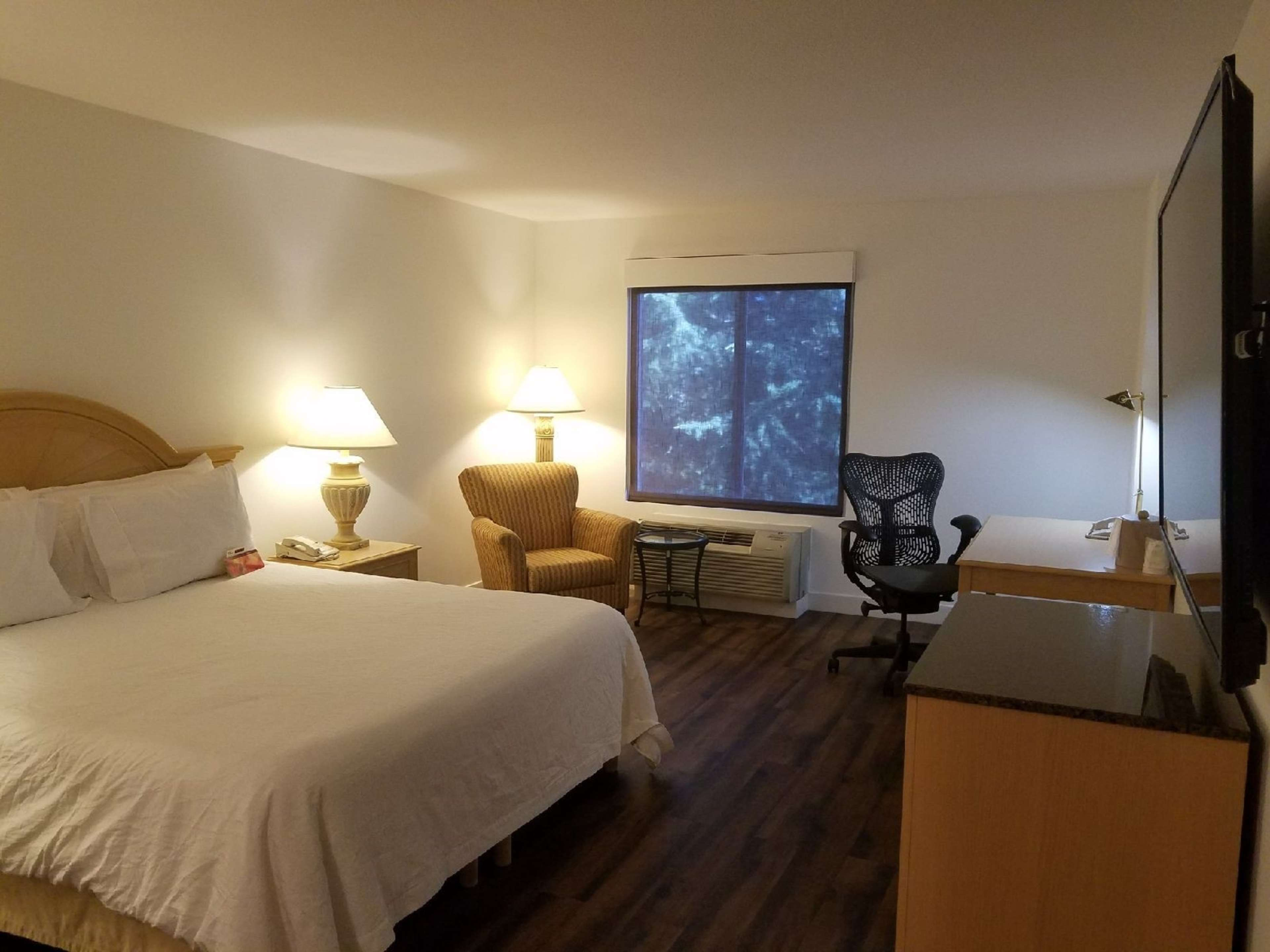 Hilton Garden Inn Mountain View 840 E El Camino Real Mountain View Ca Bars Mapquest