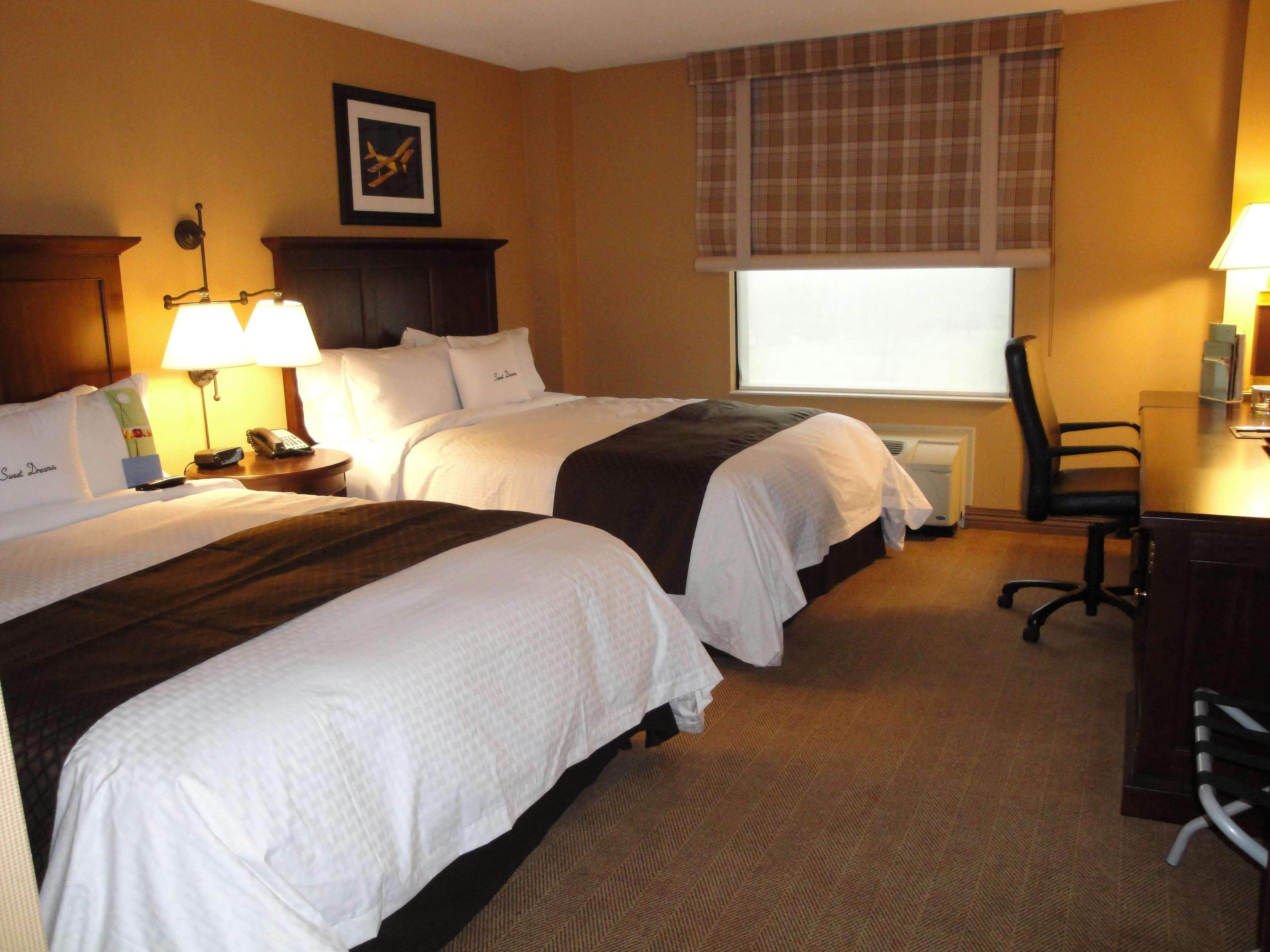 DoubleTree by Hilton Hotel Cincinnati Airport image 2