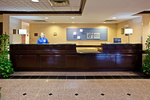 Holiday Inn Express & Suites Cincinnati Northeast-Milford image 2
