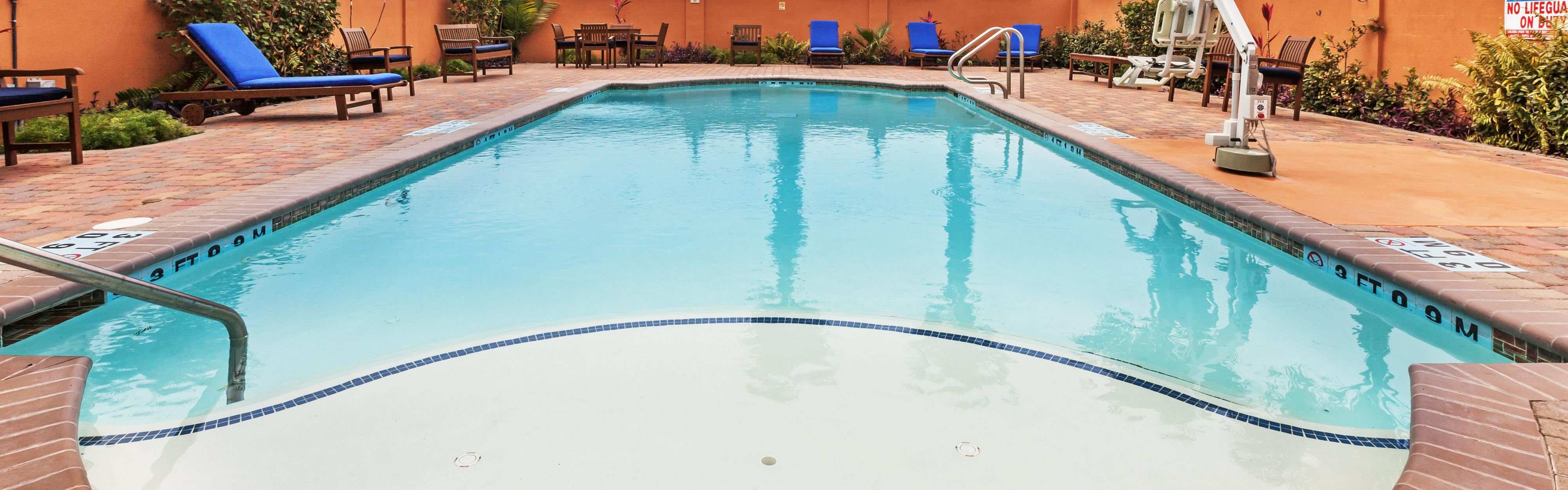 Holiday Inn Express & Suites Corpus Christi NW - Calallen image 2