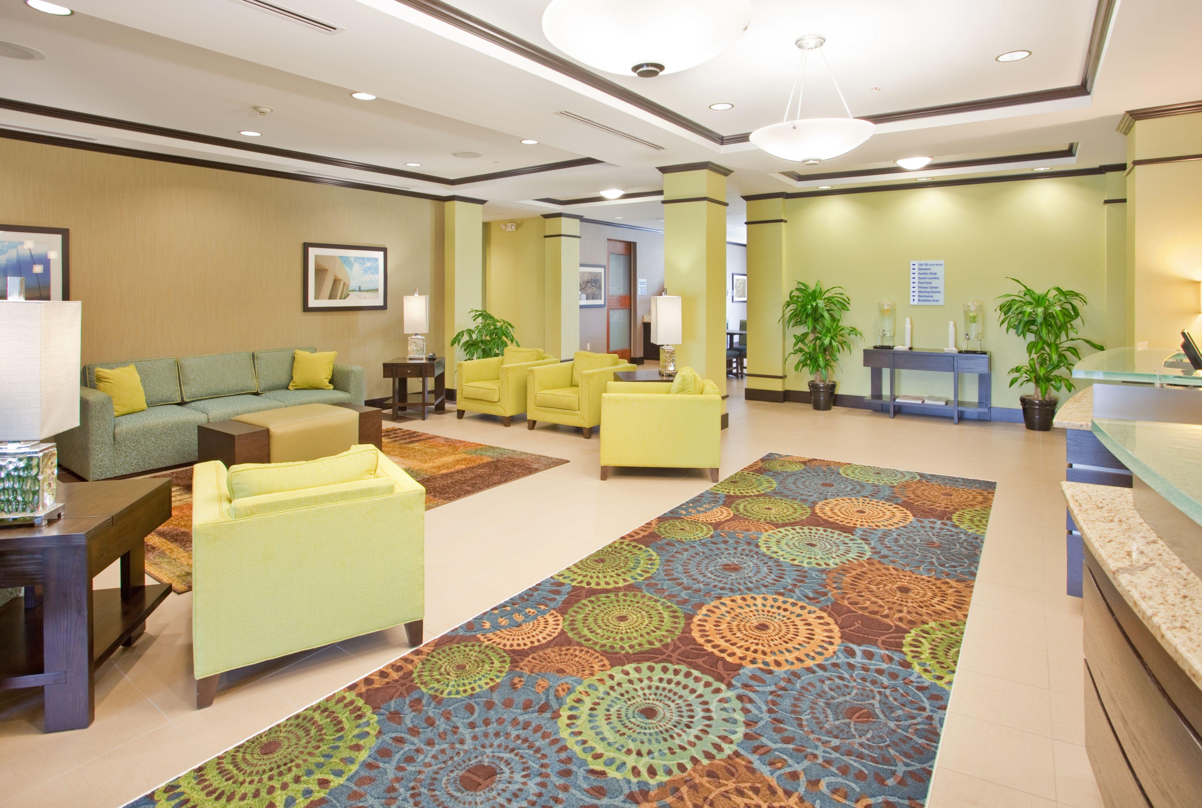 Holiday Inn Express & Suites St. Joseph image 3