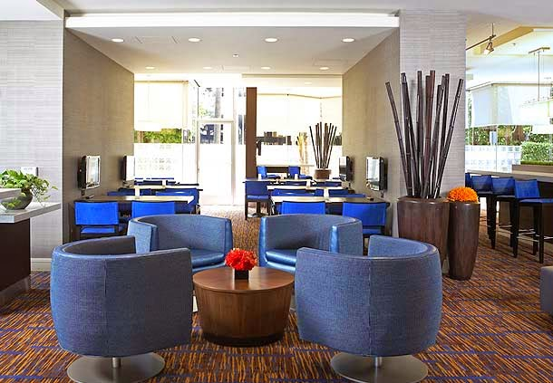 Courtyard by Marriott Los Angeles LAX/Century Boulevard image 3