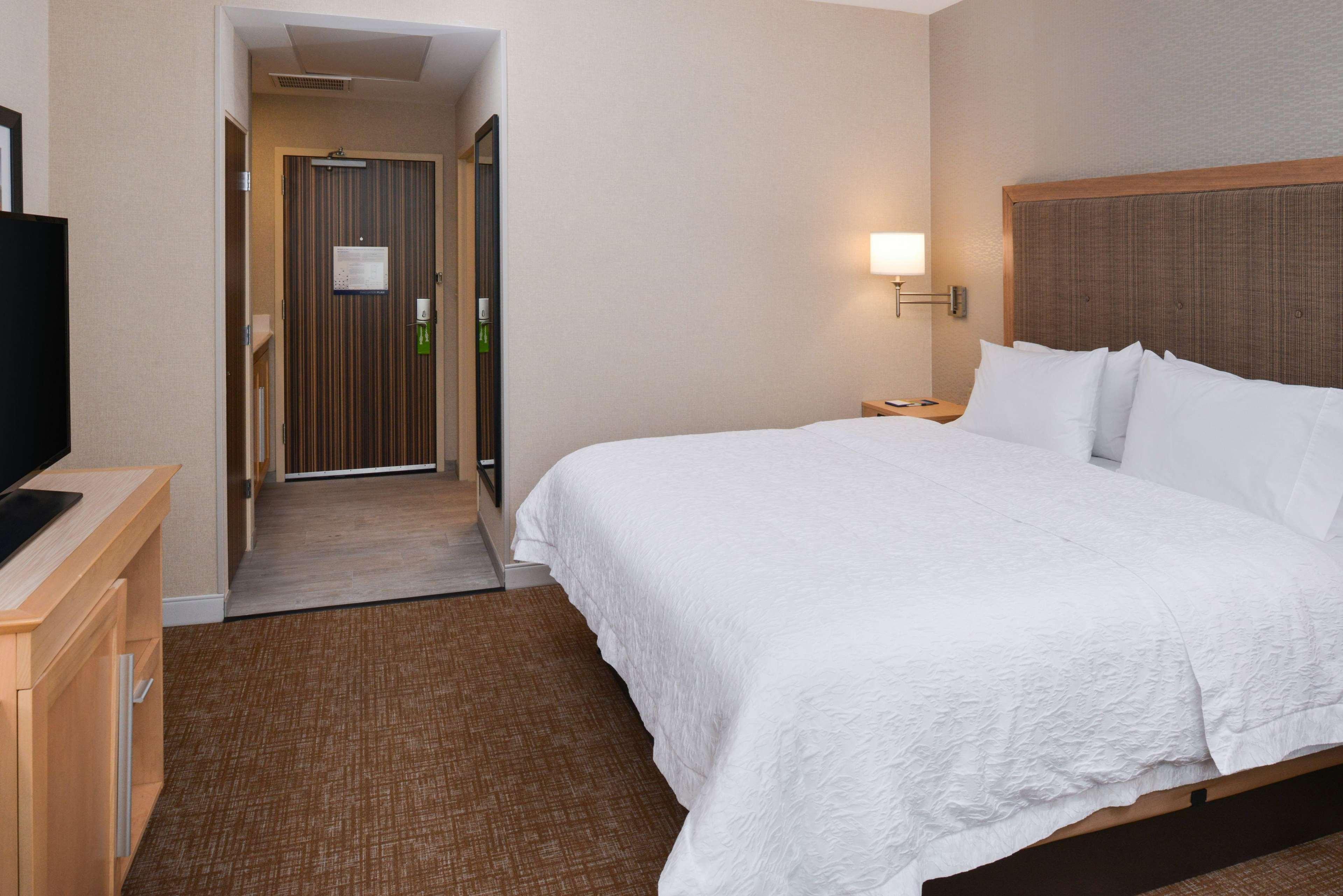 Hampton Inn & Suites Denver-Speer Boulevard image 38