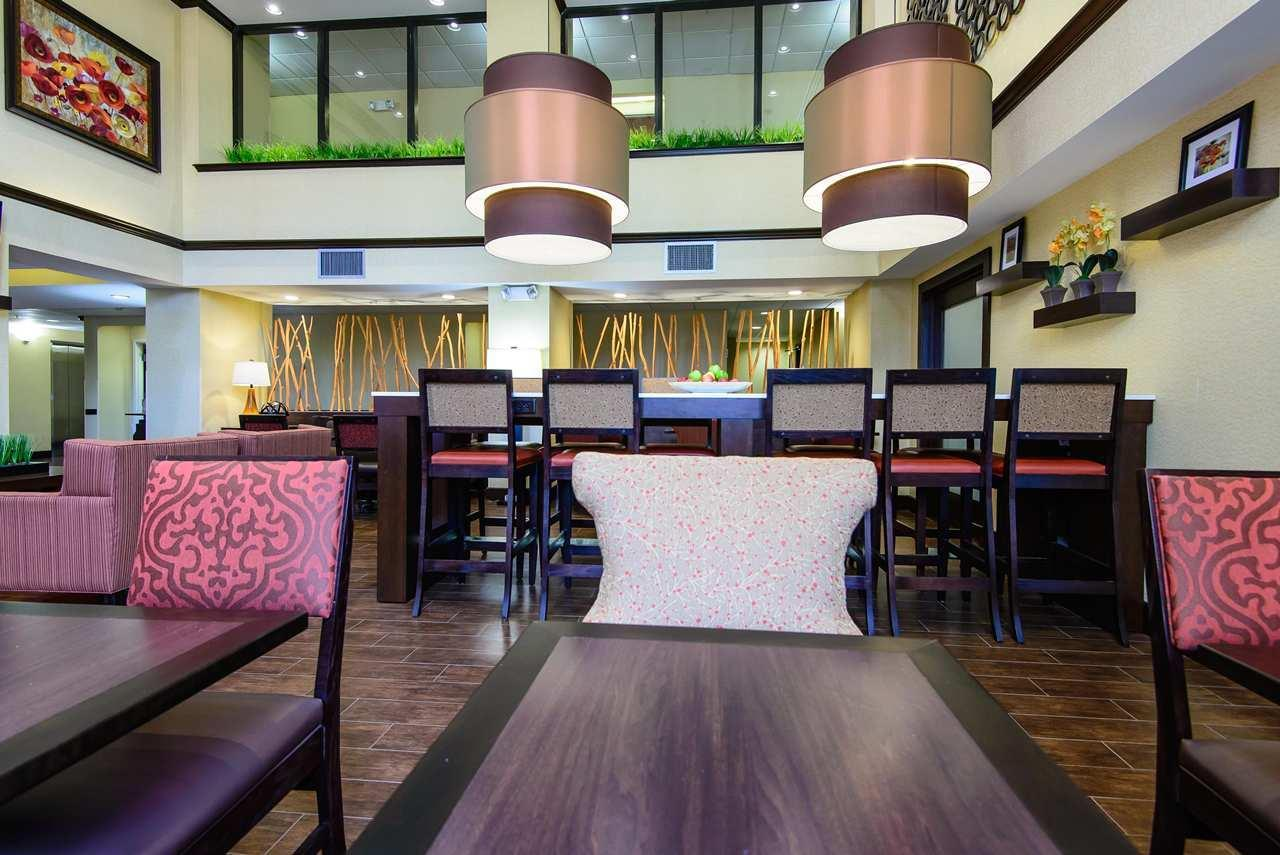 Hampton Inn Houston-Pearland image 2