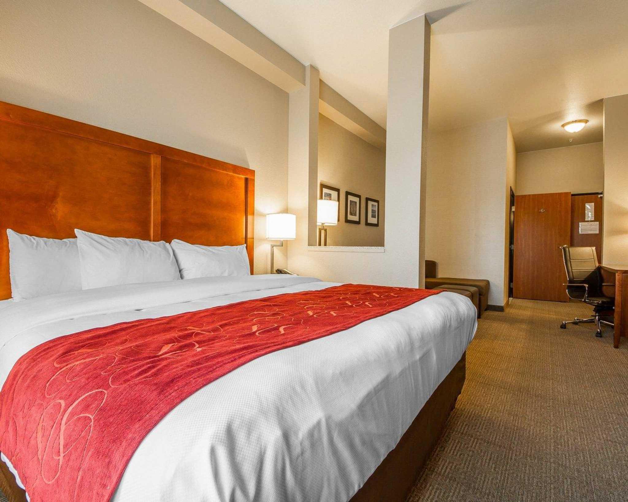 Comfort Suites Redding - Shasta Lake image 17