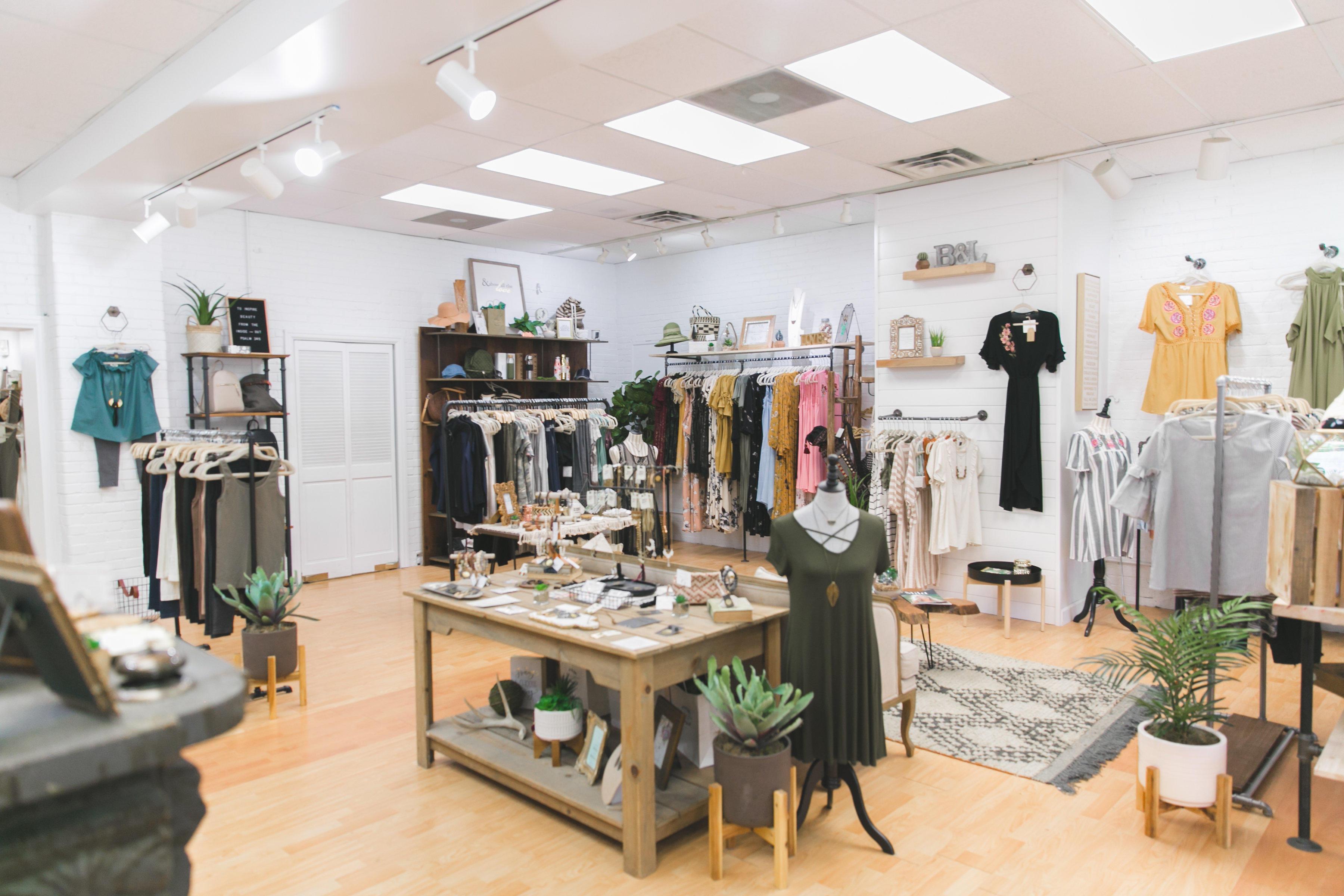 Blooms & Linen Boutique image 3