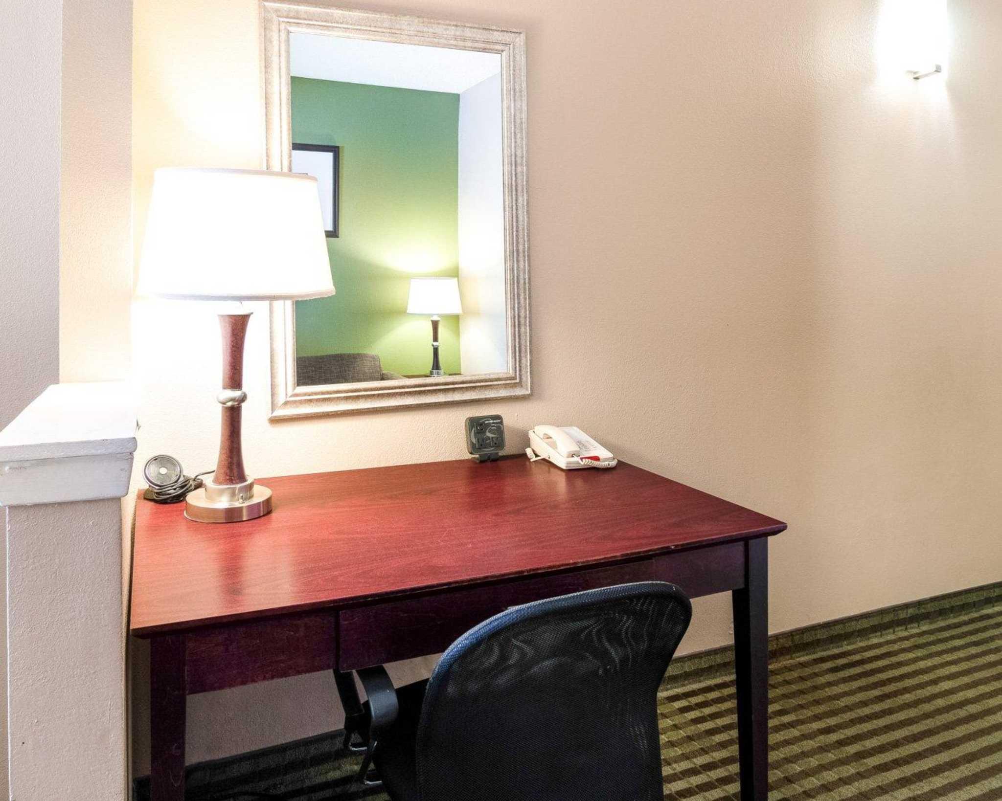 Comfort Suites Las Colinas Center image 21
