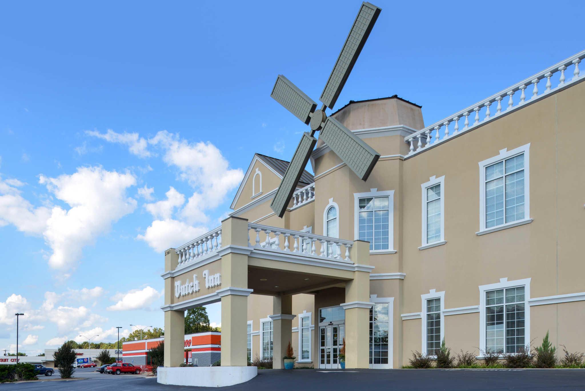 Quality Inn Dutch Inn image 1