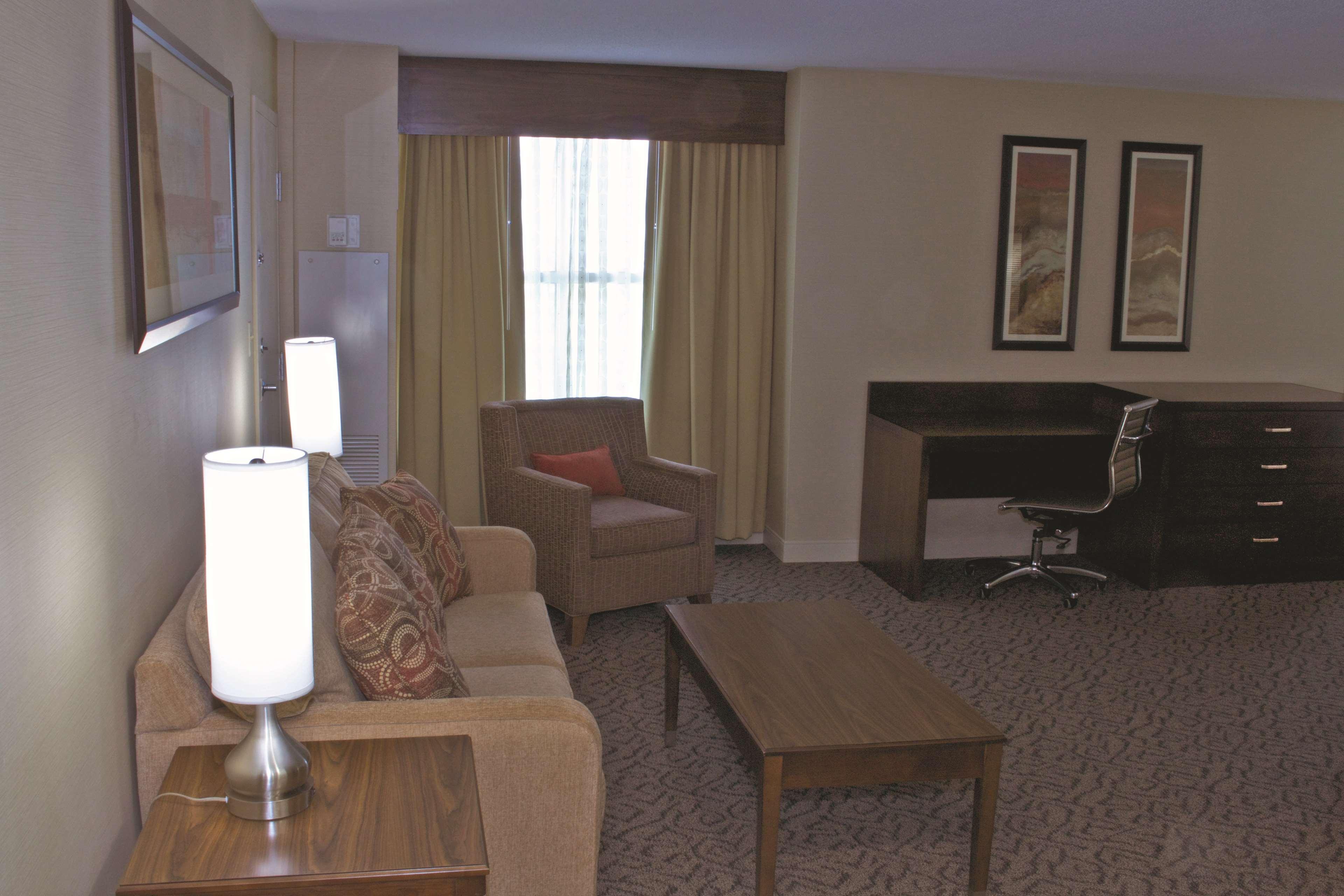 DoubleTree by Hilton Hotel Norfolk Airport in Norfolk, VA, photo #25