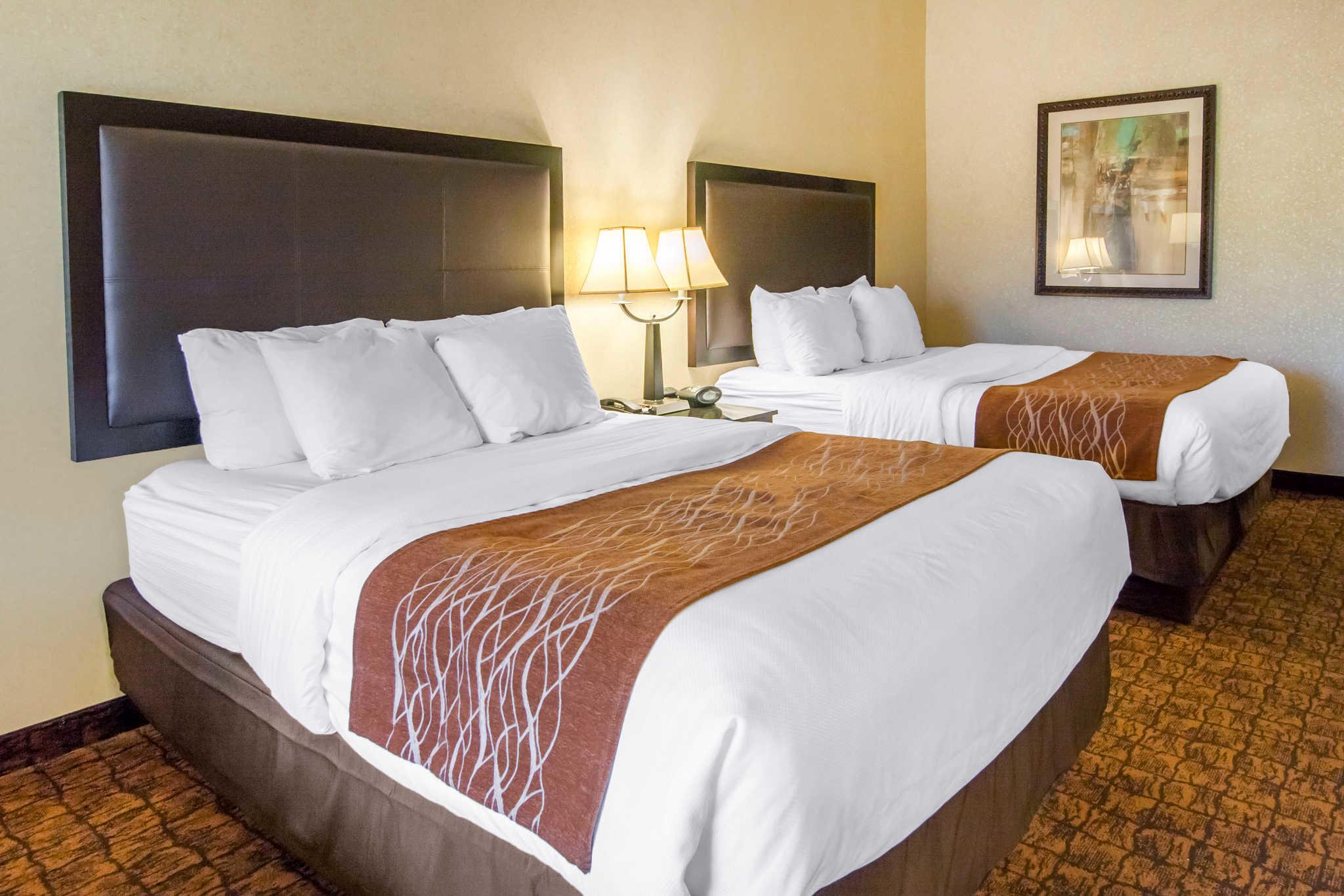 Comfort Inn & Suites image 13