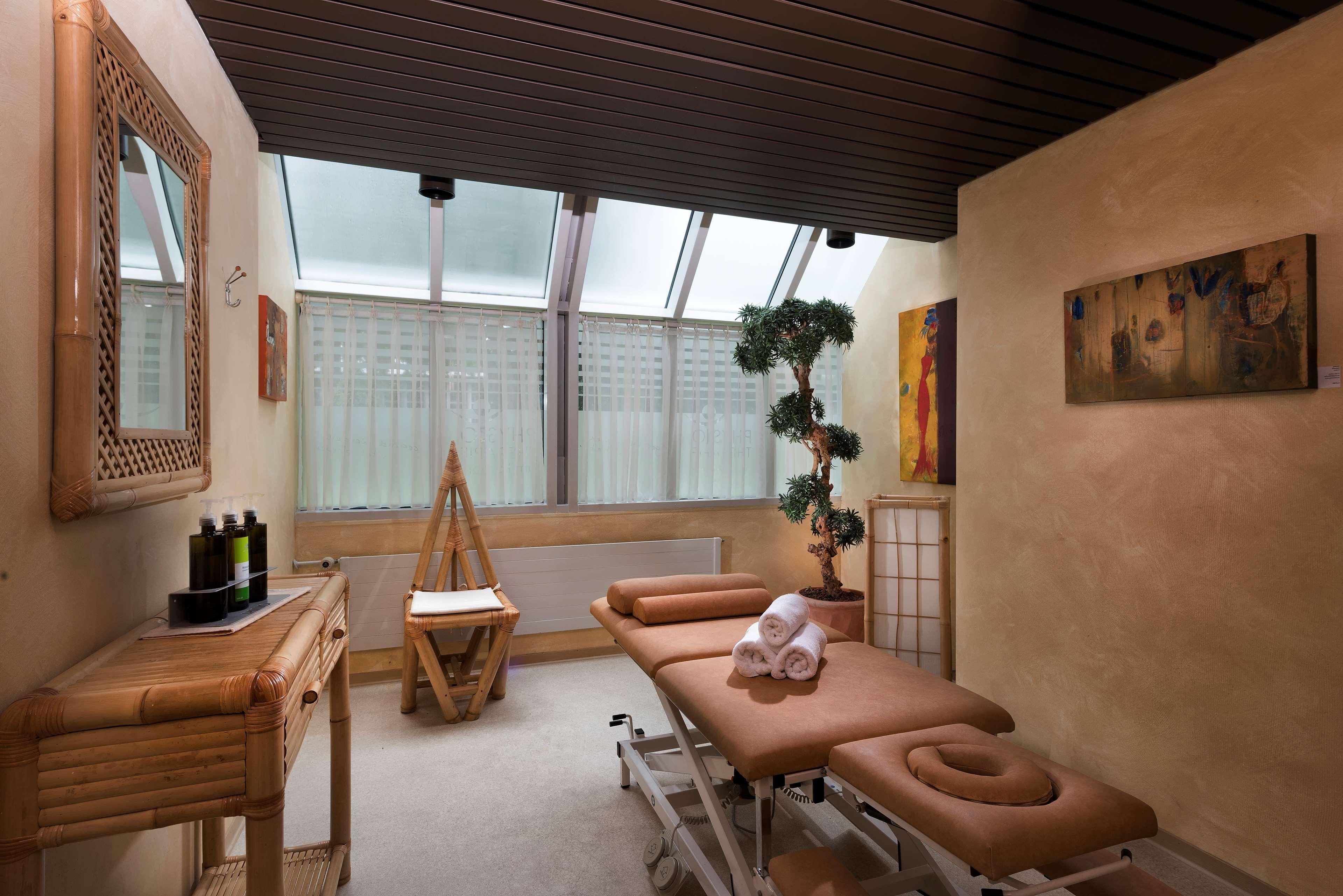 best western ffnungszeiten best western lothar daiker stra e. Black Bedroom Furniture Sets. Home Design Ideas