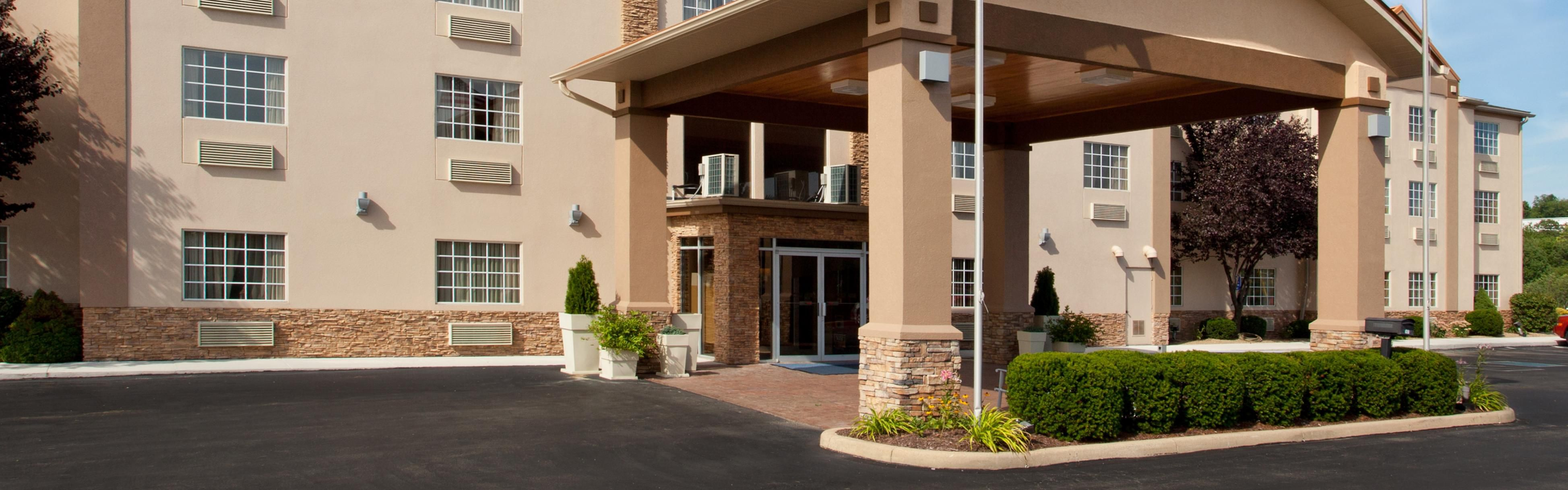 Holiday Inn Express Murrysville-Delmont image 0