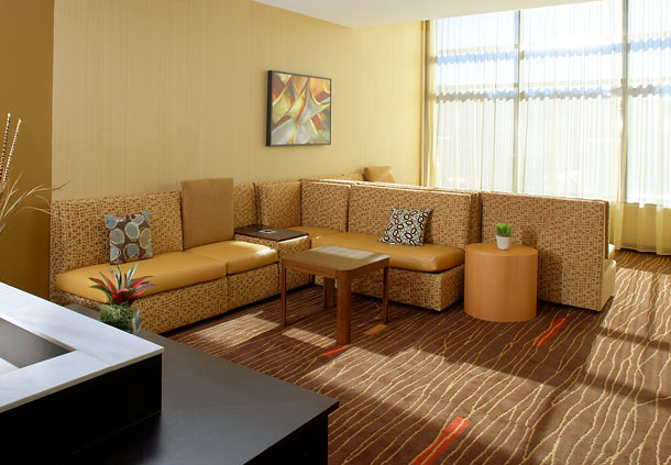 Courtyard by Marriott Pittsburgh Airport Settlers Ridge image 1