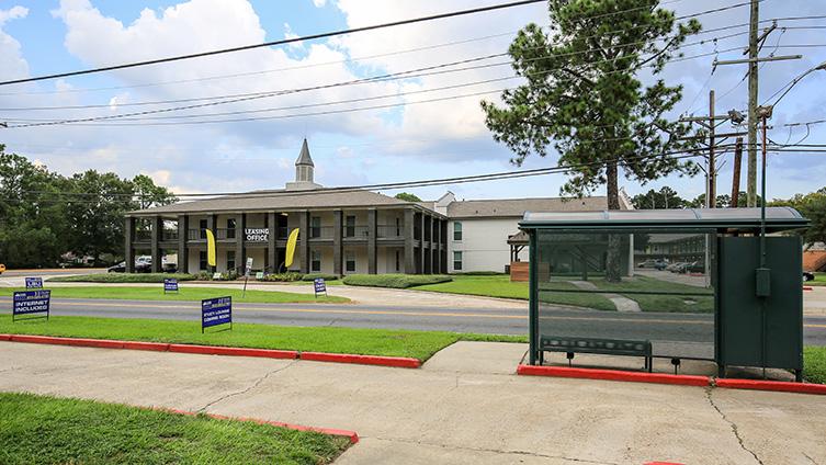 The Hub at Baton Rouge Apartment Homes image 10