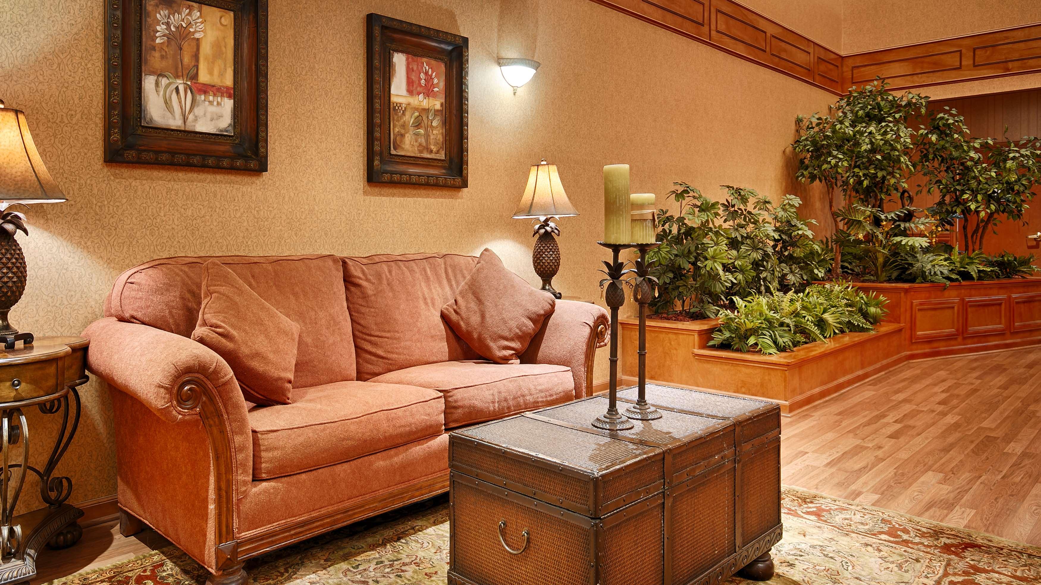 Best Western Plus Bradbury Inn & Suites image 1