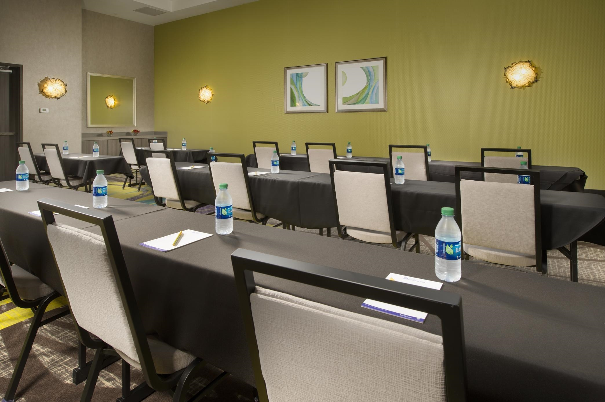 Hilton Garden Inn College Station image 30