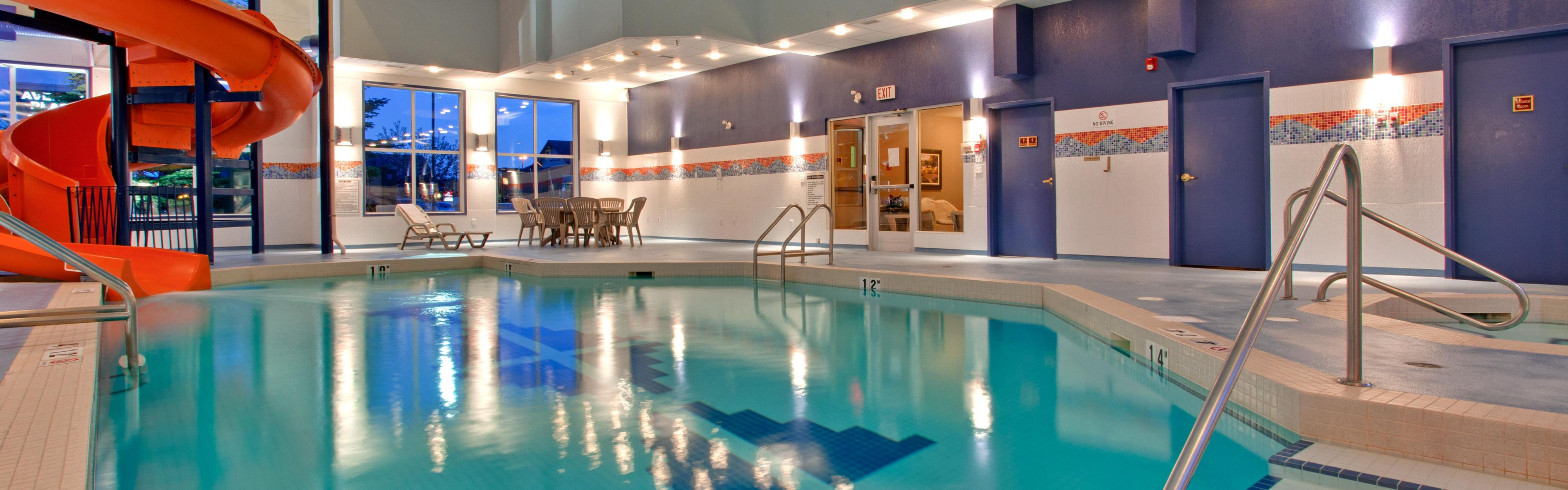 Holiday Inn Express Amp Suites Calgary South Macleod Trail S