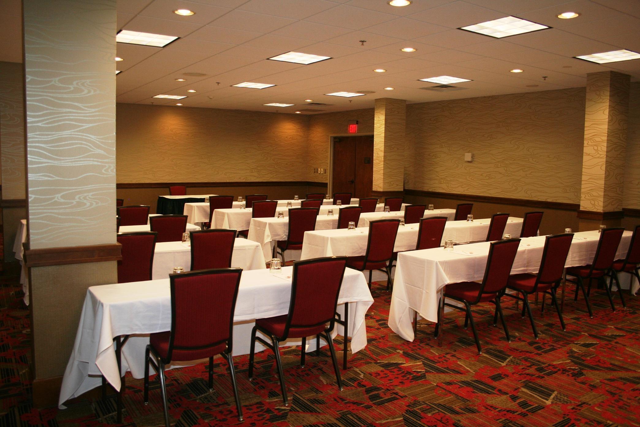 Embassy Suites by Hilton Atlanta Perimeter Center image 9
