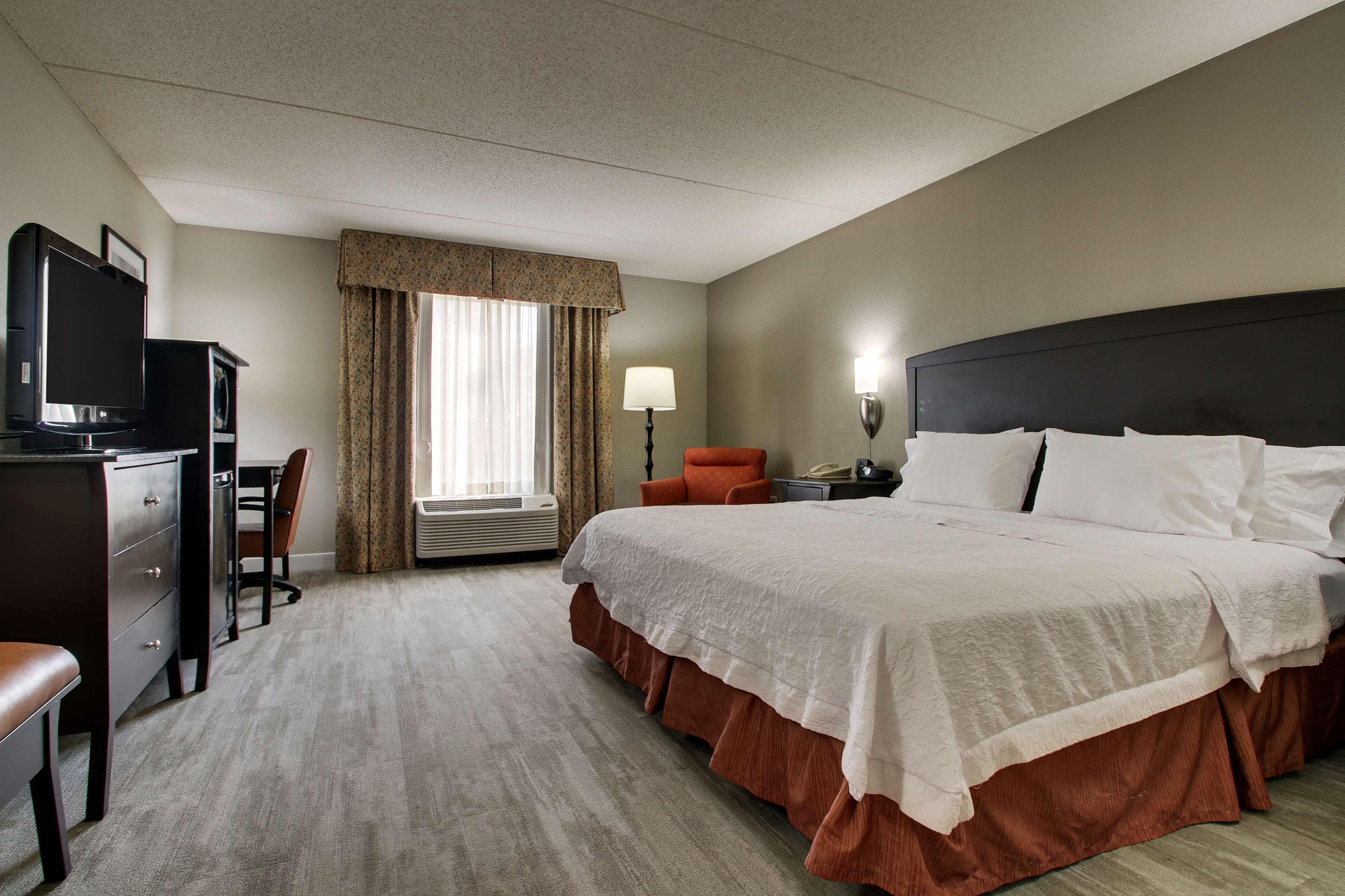 Hampton Inn & Suites Spartanburg-I-26-Westgate Mall image 26