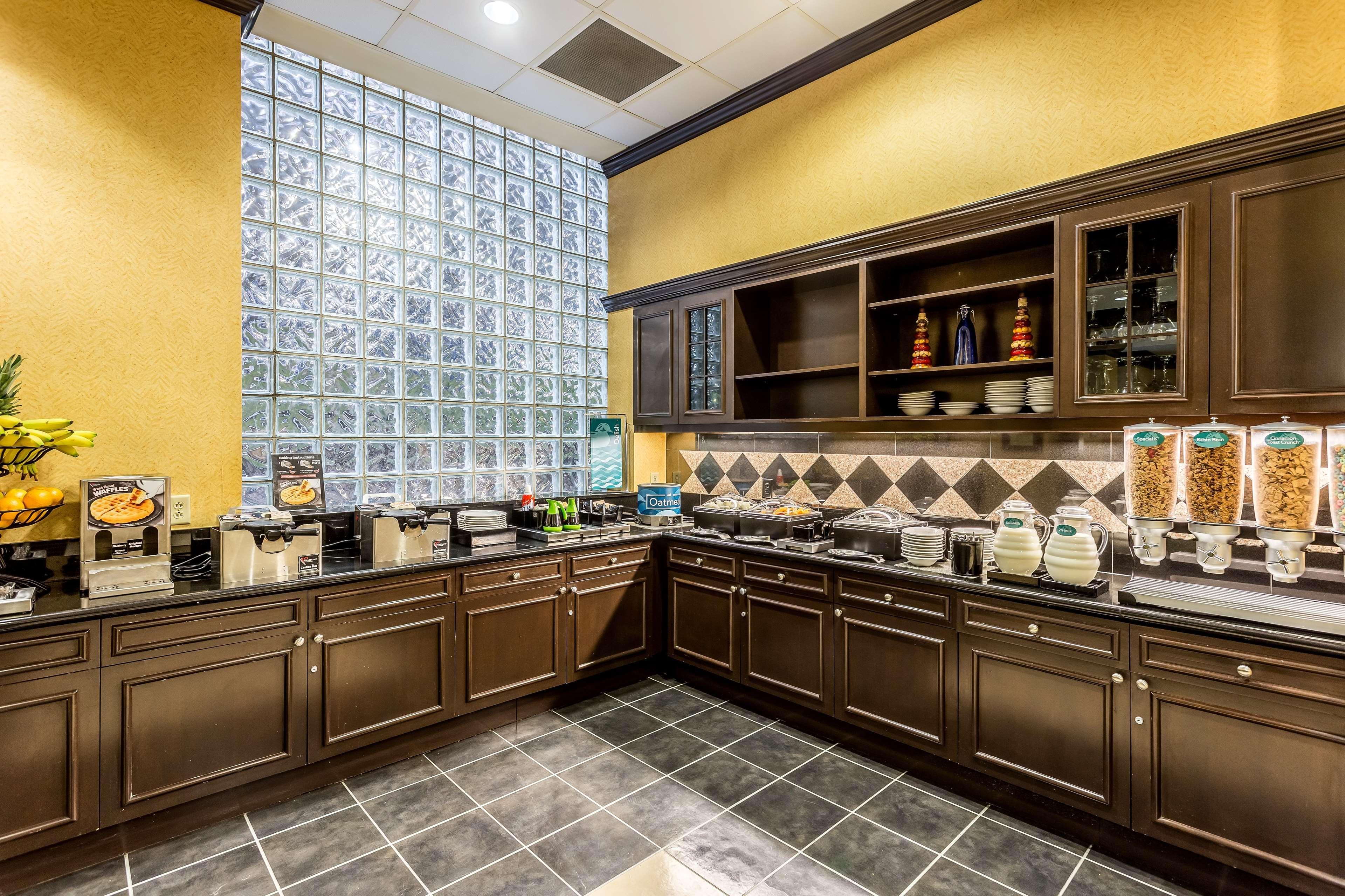 Homewood Suites by Hilton Nashville-Downtown image 6