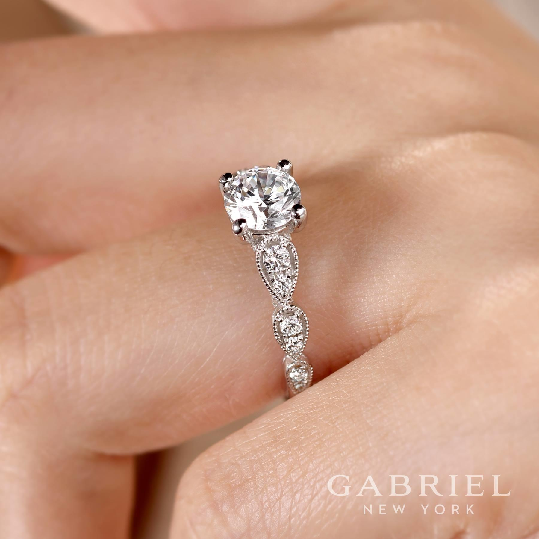 Emerald Lady Jewelry image 68