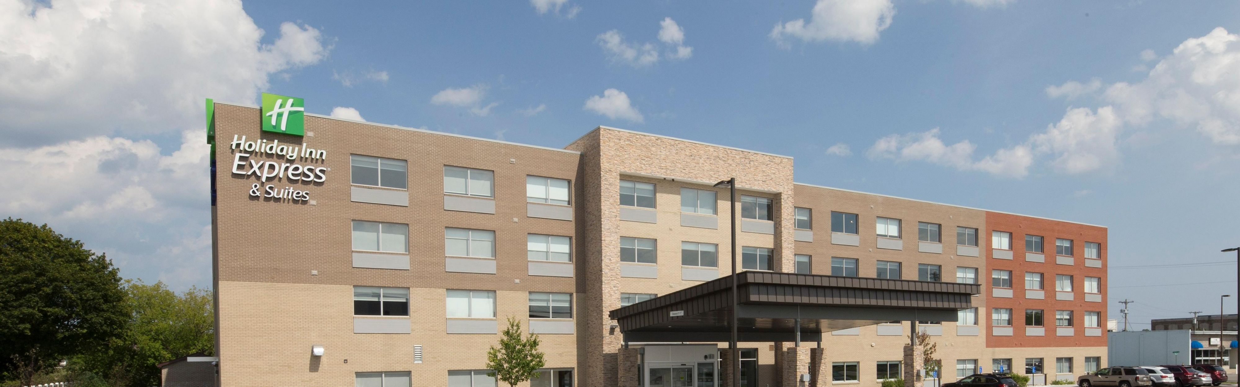 Holiday Inn Express & Suites Alpena - Downtown image 0