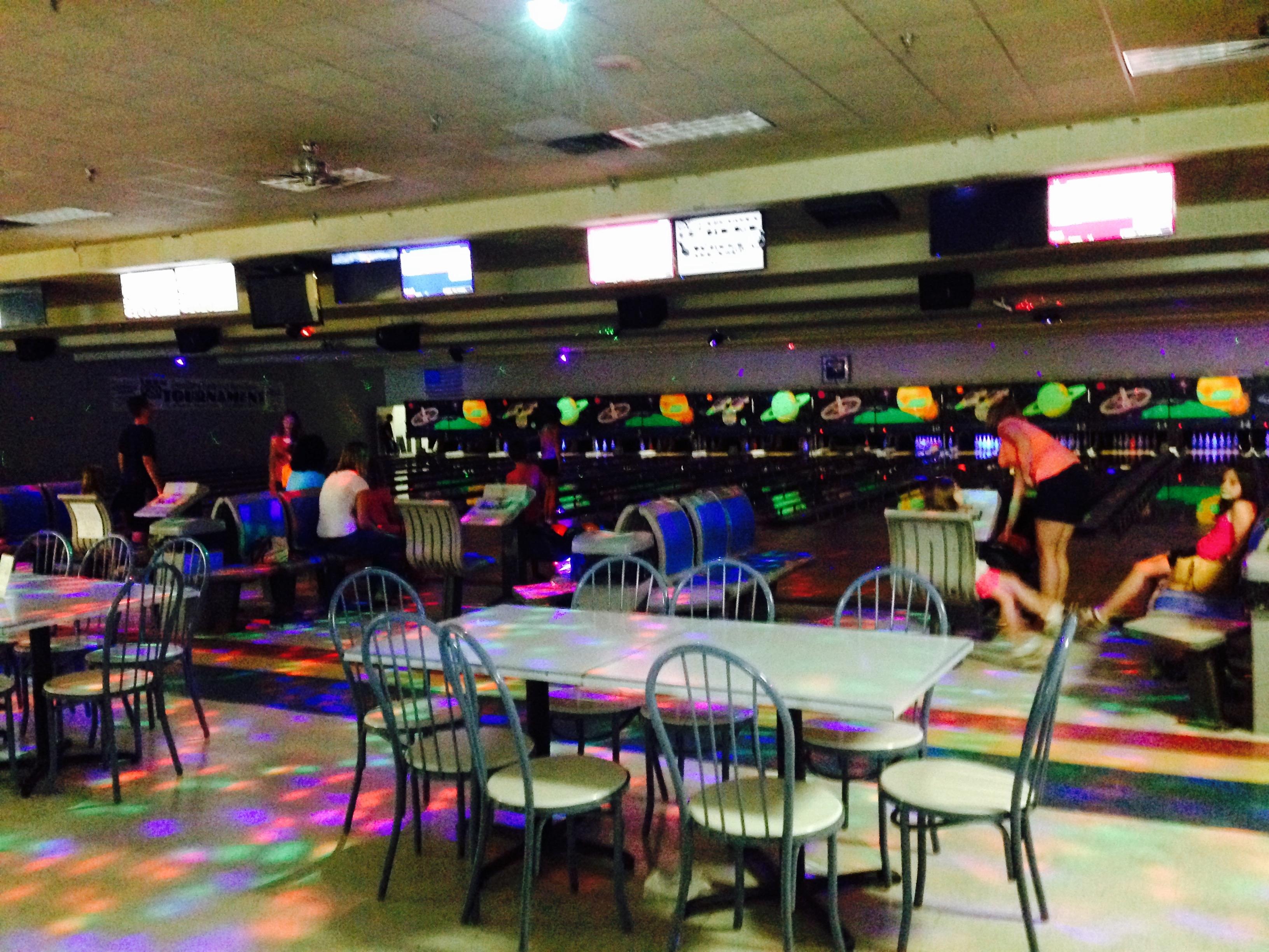 Rainbow Lanes Family Fun Center image 9