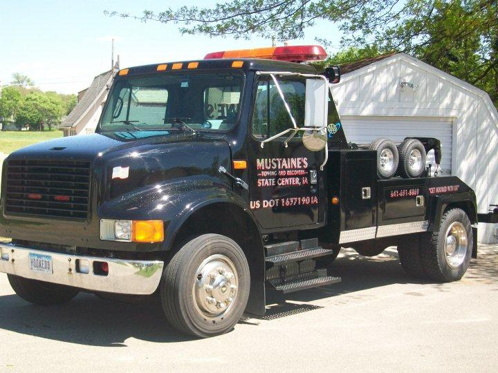 Mustaine's Towing & Recovery image 6